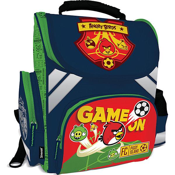 Школьный ранец  Angry Birds с эргономической спинкойAngry Birds<br>Ранец профилактический с эргономической спинкой. Имеет жесткие боковые панели, которые сохраняют конструкцию. Основное отделение дополнено двумя разделителями, что позволяет правильно распределить нагрузку на позвоночник. На фронтальной и боковых панелях рюкзака есть карманы на молнии предназначенные для аксессуаров и мелких предметов. Для безопасности рюкзак снабжен светоотражательными элементами со всех четырех сторон. Дно ранца изготовлено из особопрочного материала, который позволяет ставить рюкзак на мокрую поверхность, а пластиковые ножки придают дополнительную устойчивость и защищают дно от загрязнений. Эластичные плотные регулируемые лямки позволяют ранцу хорошо прилегать к спине и не врезаются в плечи ребенка. Ранец легко одевать и снимать. Спинка разработана с учетом анатомических особенностей детского позвоночника и прекрасно вентилируется. Рельеф спинки служит для удобства и формирования правильной осанки ребенка. Ткань рюкзака отличается износостойкостью, водонепроницаемостью, устойчивостью к ультрафиолетовому излучению.<br><br>Дополнительная информация: <br><br>Материал: Ранец сделан из современного материала EVA с покрытием из водостойкого материала. <br>Ранец профилактический с эргономической спинкой. <br>Жесткие боковые панели. <br>Основное отделение с двумя разделителями. <br>Фронтальный и два боковых кармана.<br>Размер 35 х 26,5 х 13 см.<br><br>Ранец  Angry Birds (Энгри Бердс) с эргономической спинкой можно купить в нашем магазине.<br><br>Ширина мм: 350<br>Глубина мм: 265<br>Высота мм: 130<br>Вес г: 980<br>Возраст от месяцев: 72<br>Возраст до месяцев: 108<br>Пол: Мужской<br>Возраст: Детский<br>SKU: 4140976
