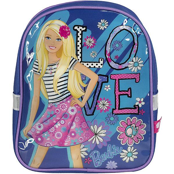Школьный рюкзак BarbieРюкзаки<br>Рюкзак - это незаменимая вещь для прогулок и повседневных дел, в нем можно разместить самые важные вещи. Пусть у Вашего малыша тоже будет свой собственный рюкзак. У модели одно основное отделение на молнии, а лямки можно свободно регулировать по длине в зависимости от роста ребенка. Передняя панель рюкзака украшена ярким изображением любимых героев.<br><br>Дополнительная информация:<br><br>Размер 27 х 21,5 х 9,5 см.<br><br>Рюкзак Barbie (Барби) 27*21,5*9,5 см можно купить в нашем магазине.<br>Ширина мм: 270; Глубина мм: 215; Высота мм: 95; Вес г: 184; Возраст от месяцев: 72; Возраст до месяцев: 144; Пол: Женский; Возраст: Детский; SKU: 4140989;