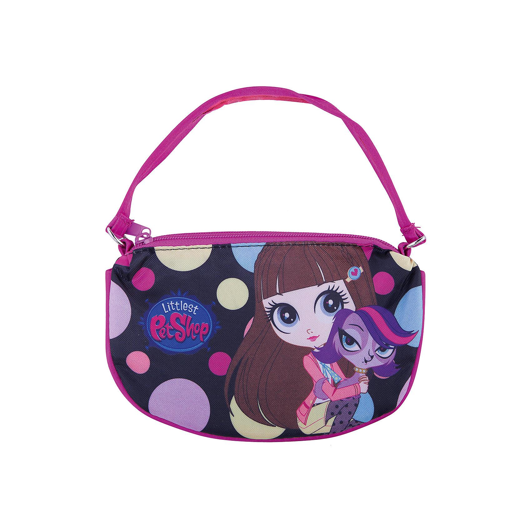 Сумка-клатч, Littlest Pet ShopДетские сумки<br>Детская сумочка-клатч - это одновременно стильная и удобная вещь. Она компактна и не занимает много места, в ней можно разместить все самые необходимые вещи. Сумочка закрывается на молнию и снабжена текстильной ручкой.<br><br>Дополнительная информация:<br><br>Одно отделение на молнии.<br>Размер 12,5 х 20 х 1 см.<br><br>Сумку-клатч Littlest Pet Shop (Маленький зоомагазин) 12,5*20*1 см можно купить в нашем магазине.<br><br>Ширина мм: 125<br>Глубина мм: 200<br>Высота мм: 10<br>Вес г: 38<br>Возраст от месяцев: 48<br>Возраст до месяцев: 84<br>Пол: Женский<br>Возраст: Детский<br>SKU: 4140998