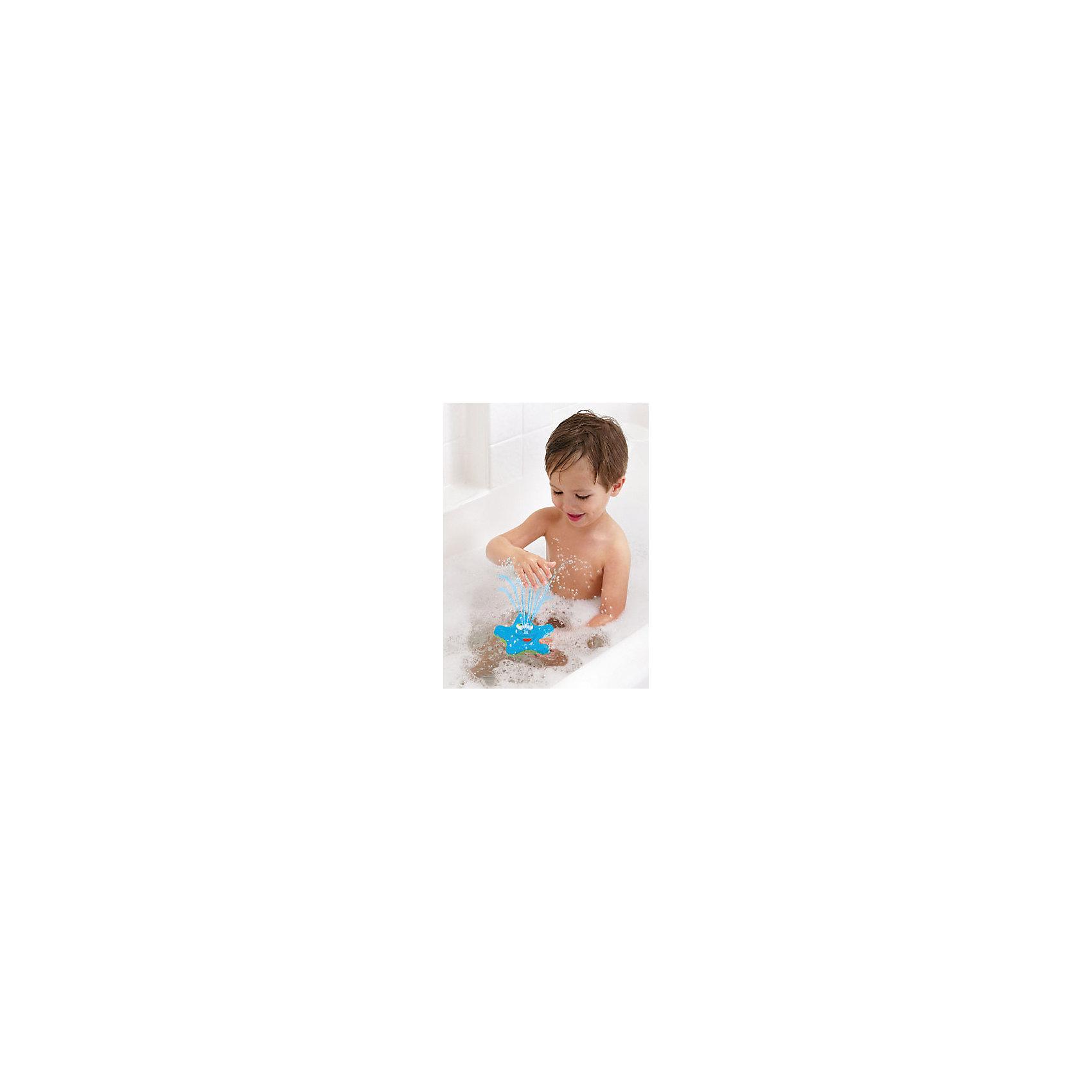 Игрушка для ванной Звёздочка, MunchkinЛейки и поливалки<br>Игрушка для ванной Звёздочка, Munchkin (Манчкин) – эта игрушка доставит малышу немало веселых минут во время купания!<br>Очаровательная игрушка для ванной Звёздочка с улыбающимся личиком не оставит ребенка равнодушным. Она плавает на поверхности воды и вращается, а носик игрушки светится и весело брызгается водой. Если игрушку перевернуть носиком в воду, она озарит ярким голубым светом всю ванну. Игрушка выполнена из прочного безопасного пластика ярких цветов.<br><br>Дополнительная информация:<br><br>- В комплекте: 1 игрушка<br>- Цвет в ассортименте<br>- Материал: пластик<br>- Размер: 12,8 x 12,8 x 4,9 см.<br>- Батарейки: 3хААА (не входят в комплект)<br>- ВНИМАНИЕ! Данный товар представлен в ассортименте. К сожалению, предварительный выбор невозможен. При заказе нескольких единиц данного товара, возможно получение одинаковых<br><br>Игрушку для ванной Звёздочка, Munchkin (Манчкин) можно купить в нашем интернет-магазине.<br><br>Ширина мм: 40<br>Глубина мм: 150<br>Высота мм: 180<br>Вес г: 150<br>Возраст от месяцев: 12<br>Возраст до месяцев: 36<br>Пол: Унисекс<br>Возраст: Детский<br>SKU: 4142373
