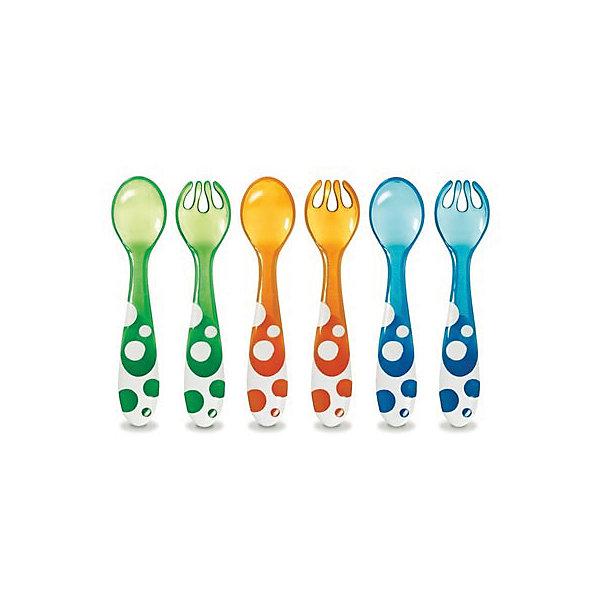 Набор ложки,вилки пластиковые 6 шт., MunchkinДетская посуда<br>Набор ложки,вилки пластиковые 6 шт., Munchkin (Манчкин) - этот детский набор подходит для первых самостоятельных приемов пищи.<br>Набор Munchkin (Манчкин) состоит из 3х вилок и 3х ложек, которые помогут малышу научиться самостоятельно, пользоваться столовыми приборами. Разноцветные яркие приборы создают хорошее настроение и сделают обеденное время более приятным для малыша. Приборы вмещают в себя порции, предназначенные для малышей. Для безопасного использования зубцы вилок слегка закруглены, при этом отлично насаживают пищу. Толстые края ложек не раздражают нежных десен малыша. Мягкий материал не травмируют полость рта ребенка. Большие удобные ручки эргономичной формы удобно лежат в маленькой детской руке. Приборы изготовлены из прочного пластика без использования Бисфенола-А.<br><br>Дополнительная информация:<br><br>- В комплекте: 3 вилки, 3 ложки<br>- Цвета: синий, зеленый, оранжевый<br>- Материал: пластик<br>- Размер упаковки: 3 х 12 х 18 см.<br>- Вес: 100 г.<br><br>Набор ложки, вилки пластиковые 6 шт., Munchkin (Манчкин) можно купить в нашем интернет-магазине.<br><br>Ширина мм: 30<br>Глубина мм: 120<br>Высота мм: 180<br>Вес г: 100<br>Возраст от месяцев: 6<br>Возраст до месяцев: 36<br>Пол: Унисекс<br>Возраст: Детский<br>SKU: 4142393