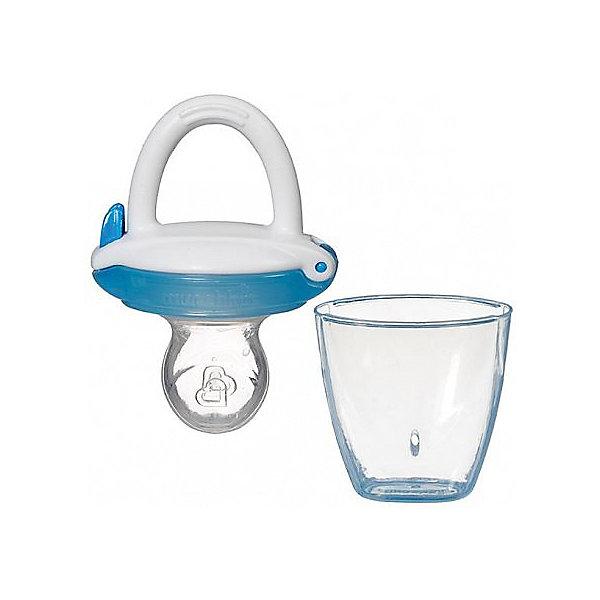 Ниблер для детского питания Munchkin, белый/голубойНиблеры<br>Ниблер для детского питания, Munchkin (Манчкин) – это силиконовый ниблер для безопасного кормления малыша, а также для обучения жеванию.<br>Ниблер в форме пустышки для легкого и безопасного введения прикорма на начальном этапе перехода к твердой пище. Он позволяет безо всякого риска вводить в рацион ребенка твердую пищу, в том числе фрукты и овощи, без риска подавиться. Ниблер удобен для маленьких детских ручек. Развивает, умение малыша есть самостоятельно. Легко чистится. Прост в использовании: просто откройте верхнюю часть емкости и поместите продукты в соску. Силиконовая емкость пропускает в виде пюре, помещенные в нее кусочки фруктов и овощей. Подходит для кормления в период прорезывании зубов. В комплекте дорожная крышка-футляр, которая защитит ниблер от загрязнений и позволит использовать его на прогулке и в других ситуациях, когда вы находитесь не дома.<br><br>Дополнительная информация:<br><br>- В комплекте: 1 ниблер<br>- Цвет в ассортименте<br>- Материал: силикон<br>- Не содержит Бисфенол А<br>- Не является пустышкой и должен быть использован под наблюдением взрослых<br>- Размер упаковки: 19 х 10 х 3 см.<br>- Вес: 150 г.<br>- ВНИМАНИЕ! Данный товар представлен в ассортименте. К сожалению, предварительный выбор невозможен. При заказе нескольких единиц данного товара, возможно получение одинаковых<br><br>Ниблер для детского питания, Munchkin (Манчкин) можно купить в нашем интернет-магазине.<br>Ширина мм: 50; Глубина мм: 20; Высота мм: 100; Вес г: 50; Возраст от месяцев: 4; Возраст до месяцев: 36; Пол: Унисекс; Возраст: Детский; SKU: 4142395;