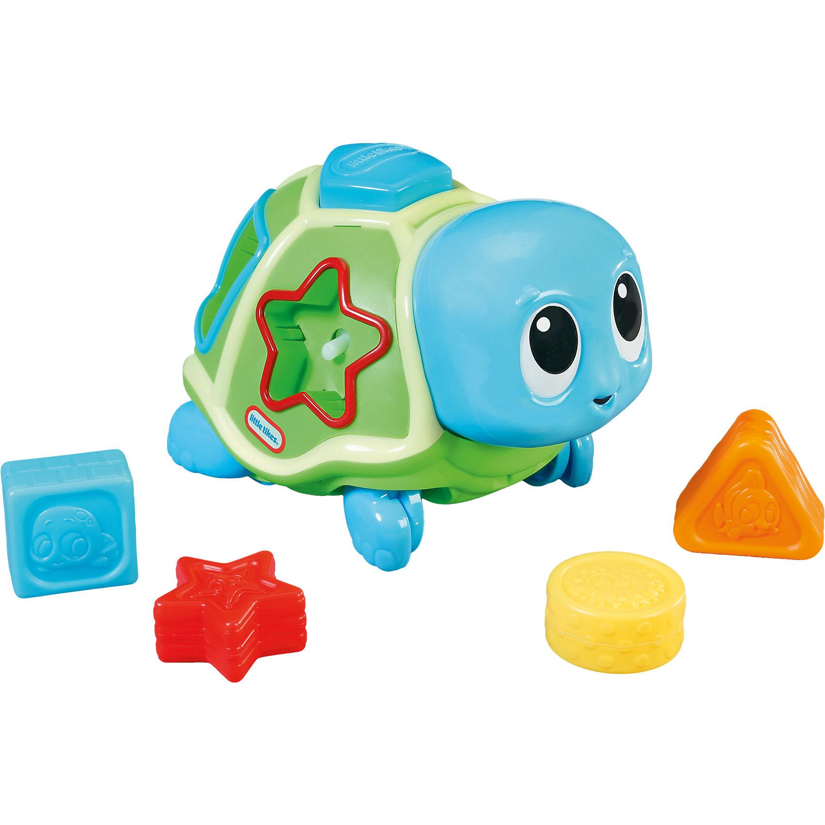 Развивающая игрушка Ползающая черепаха-сортер, со звуком, Little TikesЯркая Развивающая игрушка Ползающая черепаха-сортер, со звуком, Little Tikes (Литтл Тайкс) ползет зигзагом, проигрывая музыку. Затем останавливается и выбрасывает геометрические фигурки из отверстий (круг, квадрат, звездочка и треугольник) в панцире, а ребенок должен их собрать и установить на свое место. Чтобы начать игру заново, установите все фигуры в панцирь черепашки и снова нажмите на ее голову. <br><br>Дополнительная информация:<br>-Развивает: навыки сидения, ползания, координацию, мелкую моторику, причинно-следственные связи<br>-Материалы: пластик<br>-Размеры в упаковке: 28х26х20 см<br>-Вес в упаковке: 1,26 кг<br>-Питание: от 3 батареек ААА (в комплект НЕ входят) <br><br>Малыши смогут не только весело проводить время, играя с черепашкой, но и изучать геометрические фигуры и тренировать свои ручки и пальчики!<br><br>Развивающая игрушка Ползающая черепаха-сортер, со звуком, Little Tikes (Литтл Тайкс) можно купить в нашем магазине.<br><br>Ширина мм: 282<br>Глубина мм: 258<br>Высота мм: 209<br>Вес г: 930<br>Возраст от месяцев: 6<br>Возраст до месяцев: 36<br>Пол: Унисекс<br>Возраст: Детский<br>SKU: 4143731