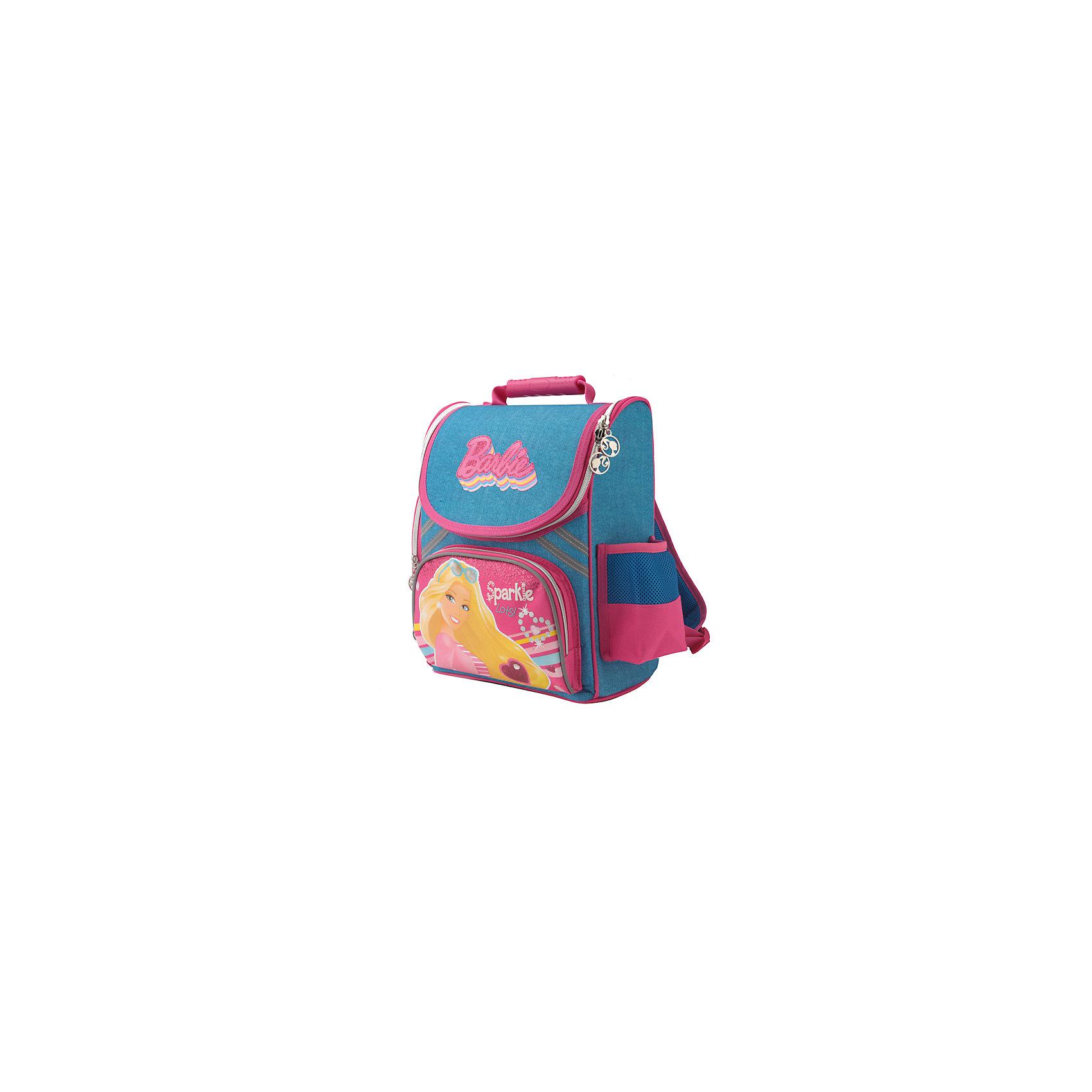 Школьный ранец BarbieРюкзак-ранец Barbie (Барби), 35х29х16см доставит всем девочкам удовольствие, ведь изображенная Барби такая красивая! Спинка сделана из водонепроницаемого упругого материала, анатомически расположенные поролоновые вставки и специальная сетка для воздухообмена обеспечивают максимальный комфорт и равномерное распределение нагрузки на лопатки и копчик. Рюкзак очень вместителен, основное отделение имеет разделители, куда без труда можно разместить любой учебник формата А4.<br><br>Комплектация: рюкзак, браслетик<br><br>Характеристики:<br>-Широкие лямки позволяют снизить нагрузку на плечи <br>-Светоотражающие элементы на лямках и корпусе рюкзака повышают безопасность ребёнка на дороге<br>-Боковые стороны и спинка выполнены из водонепроницаемого материала<br>-Резиновая ручка позволяет удобно переносить рюкзак в руках<br>-Дно укреплено пластиковой вставкой<br>-Карманы: вместительный наружный карман на молнии и два боковых кармана (мягкий карман на молнии и карман с утягивающей резинкой и сеткой)<br>-Рост ребенка до 122 см<br><br>Дополнительная информация:<br>-Серия: Барби<br>-Размеры: 35х29х16 см<br>-Вес: 950 г<br>-Материалы: текстиль, пластик, резина<br><br>Рюкзак-ранец Barbie (Барби), 35х29х16см можно купить в нашем магазине.<br><br>Ширина мм: 160<br>Глубина мм: 350<br>Высота мм: 290<br>Вес г: 1022<br>Возраст от месяцев: 60<br>Возраст до месяцев: 120<br>Пол: Женский<br>Возраст: Детский<br>SKU: 4144389