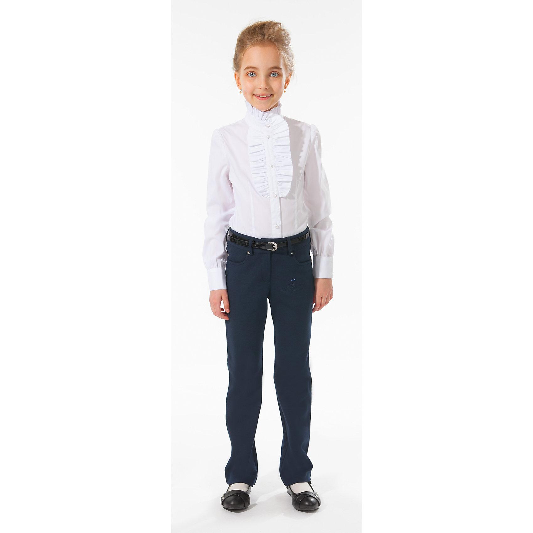 Блузка для девочки Silver SpoonБлузка для девочки Silver Spoon (Сильвер Спун) - отличный вариант для маленьких школьниц. Симпатичная модная блузка позволит создать свой оригинальный образ и чувствовать себя комфортно на протяжении всего дня занятий. Модель из хлопка очень легкая и приятная на ощупь, не сковывает движений, не раздражает кожу и позволяет ей дышать. У блузки приталенный силуэт, длинные рукава, воротник-стойка с красивой оборочкой, спереди застегивается на пуговички-жемчужинки. Модель декорирована на груди нарядной вставкой с рюшами. Классический покрой позволяет использовать блузку в различных сочетаниях - с юбкой, брюками, костюмом и другими вещами школьного гардероба. Все модели Сильвер Спун предназначены для повседневного интенсивного использования и выполнены из прочных тканей, которые позволяют вещам выглядеть великолепно на протяжении длительного срока эксплуатации. Стирка при температуре 30°С, гладить при температуре до 150°С.<br><br>Дополнительная информация:<br><br>- Цвет: белый.<br>- Материал: 71% хлопок, 25% полиамид, 4% спандекс.<br><br>Блузку для девочки, Silver Spoon (Сильвер Спун), можно купить в нашем интернет-магазине.<br><br>Ширина мм: 186<br>Глубина мм: 87<br>Высота мм: 198<br>Вес г: 197<br>Цвет: белый<br>Возраст от месяцев: 144<br>Возраст до месяцев: 156<br>Пол: Женский<br>Возраст: Детский<br>Размер: 128,158,140,152,164,134,146<br>SKU: 4145898