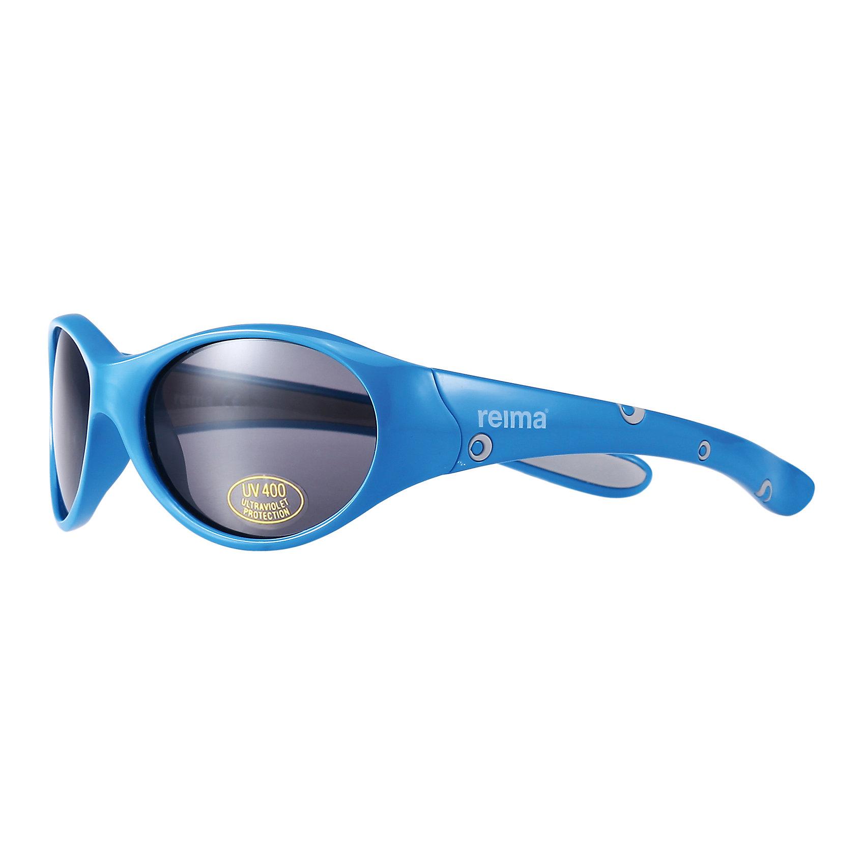 Солнцезащитные очки ReimaСолнцезащитные очки от финской марки Reima.<br>Состав:<br>Пластмасса<br><br>Ширина мм: 170<br>Глубина мм: 157<br>Высота мм: 67<br>Вес г: 117<br>Цвет: голубой<br>Возраст от месяцев: 48<br>Возраст до месяцев: 72<br>Пол: Мужской<br>Возраст: Детский<br>Размер: one size<br>SKU: 4161532