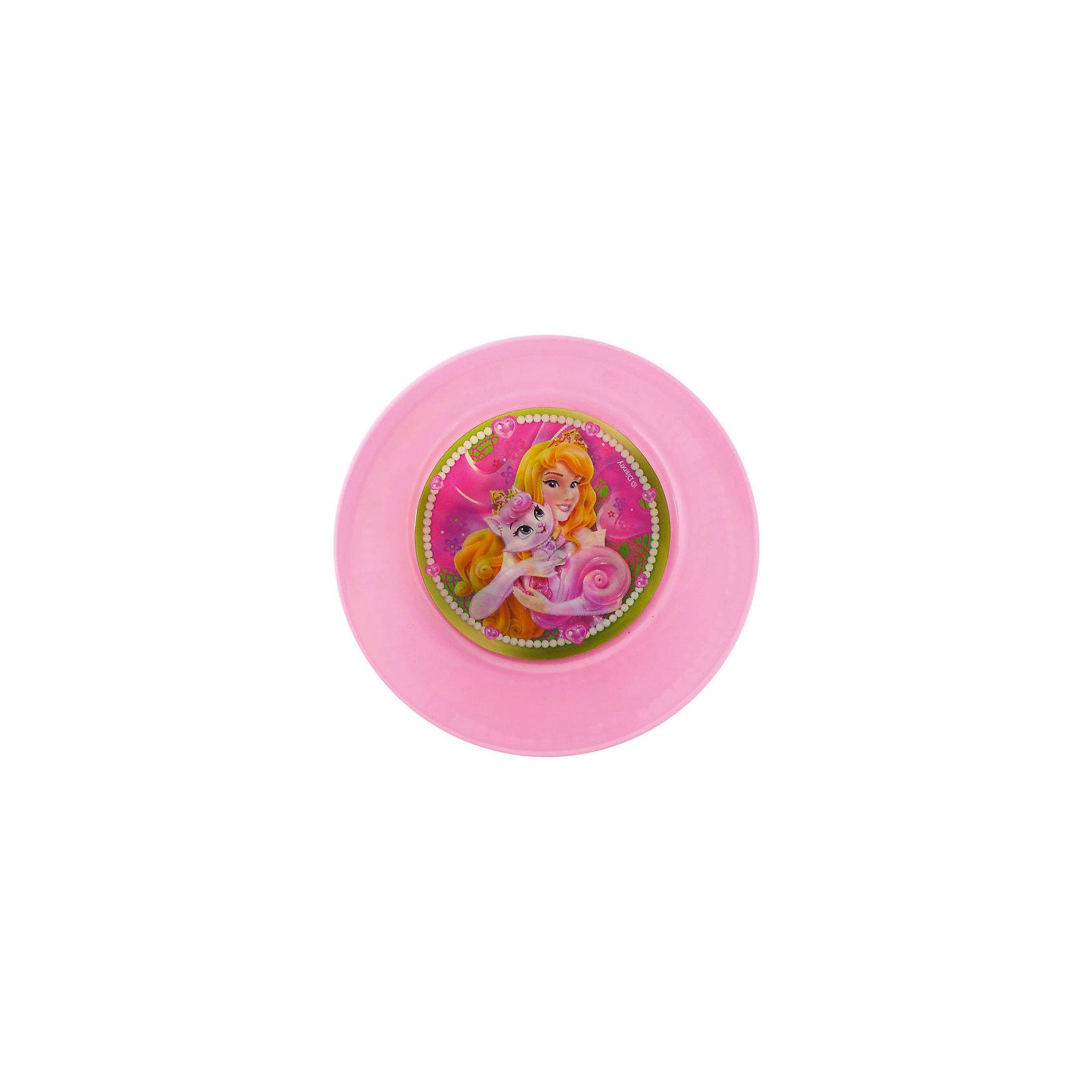 Миска Королевские питомцы (диаметр 15 см), Принцессы ДиснейТеперь можно сделать каждый день праздничным! Миска Королевские питомцы отлично подойдет как для праздника, так и для обычный дней. Увидев обед, поданный в такой шикарной мисочке, девочка почувствует себя настоящей принцессой из сказки. Такая красивая вещь непременно обрадует кроху. Из нежной и красивой мисочки с изображением любимой принцессы девочке захочется доесть все до последней крошки. Дно мисочки украшено круглой вставкой, которая меняет изображение под разным углом зрения. Пластиковая мисочка не разобьется, а рисунок не сотрется со временем. Удобная форма отлично подходит для частого использования.  <br><br>Дополнительная информация:<br><br>- Вариоизображение;<br>- Особенно понравится поклонницам мультфильмов о Принцессах Дисней (Disney Princess);<br>- Подходит для горячего и холодного;<br>- Материал: пластик;<br>- Диаметр: 15 см;<br>- Размер: 15 х 15 х 5 см;<br>- Вес: 40 г<br><br>Миску Королевские питомцы (диаметр 15 см), Принцессы Дисней (Disney Princess), можно купить в нашем интернет-магазине.<br><br>Ширина мм: 150<br>Глубина мм: 150<br>Высота мм: 50<br>Вес г: 40<br>Возраст от месяцев: 36<br>Возраст до месяцев: 144<br>Пол: Женский<br>Возраст: Детский<br>SKU: 4166821
