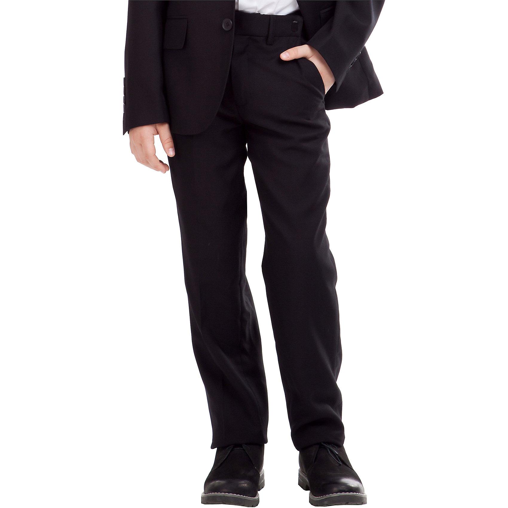 Брюки для мальчика GulliverБрюки<br>Брюки для мальчика от российского бренда Gulliver.<br>Классические брюки  - основа повседневного школьного гардероба. В сочетании с любым верхом, они смотрятся строго, настраивая на деловую волну. Хороший состав ткани с содержанием шерсти обеспечивает брюкам  достойный вид, долговечность и неприхотливость в уходе. Брюки имеют удобную регулировку пояса, создающую комфортную посадку изделия на всех типах фигуры.<br>Состав:<br>тк. верха: 65% полиэстер,  25% вискоза, 10% шерсть подкл.: 100% полиэстер<br><br>Ширина мм: 215<br>Глубина мм: 88<br>Высота мм: 191<br>Вес г: 336<br>Цвет: черный<br>Возраст от месяцев: 144<br>Возраст до месяцев: 156<br>Пол: Мужской<br>Возраст: Детский<br>Размер: 158,152,122,128,134,140,146<br>SKU: 4174640