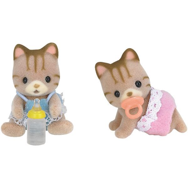 Набор Полосатые котята-двойняшки, Sylvanian FamiliesSylvanian Families<br>Sylvanian Families (Сильваниан Фэмилис) - целый мир, в котором живут маленькие милые зверята -  кролики, белки, медведи, лисы и многие другие. У каждого из них есть дом. Познакомься с котятами-двойняшками, они еще совсем маленькие и так нуждаются в твоей помощи и заботе. Игрушка прекрасно подходит для сюжетно-ролевых игр детей, развивает социальные навыки, мелкую моторику и воображение. Все детали набора выполнены их высококачественных, нетоксичных безопасных материалов. <br><br>Дополнительная информация:<br><br>- Комплектация: малыши-котята, бутылочка, пустышка.<br>- Материал: пластик, текстиль, флок.<br>- Голова и лапки поворачиваются.<br><br>Набор Полосатые котята-двойняшки, Sylvanian Families (Сильваниан Фэмилис), можно купить в нашем магазине.<br><br>Ширина мм: 123<br>Глубина мм: 81<br>Высота мм: 40<br>Вес г: 41<br>Возраст от месяцев: 36<br>Возраст до месяцев: 72<br>Пол: Женский<br>Возраст: Детский<br>SKU: 4177957