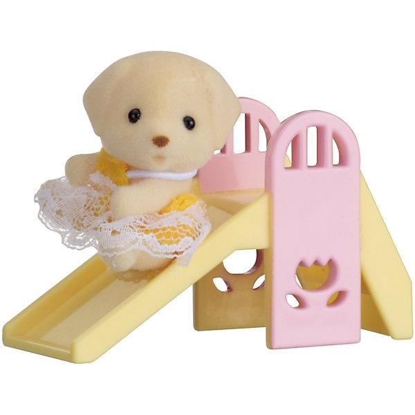 Набор Младенец в пластиковом сундучке  (собачка на горке), Sylvanian FamiliesSylvanian Families<br>Sylvanian Families (Сильваниан Фэмилис) - целый мир, в котором живут маленькие милые зверята -  кролики, белки, медведи, лисы и многие другие. У каждого из них есть дом. Познакомься с малышом-щенком, он еще совсем маленький и так нуждается в твоей заботе. Поиграй с ним и покатайся на горке. Игрушка прекрасно подходит для сюжетно-ролевых игр детей, развивает социальные навыки, мелкую моторику и воображение. Все детали набора выполнены их высококачественных, нетоксичных безопасных материалов. <br><br>Дополнительная информация:<br><br>- Комплектация: малыш-бельчонок, горка.<br>- Материал: пластик, текстиль, флок.<br>- Голова и лапки поворачиваются.<br><br>Набор Младенец в пластиковом сундучке  (собачка на горке), Sylvanian Families (Сильваниан Фэмилис), можно купить в нашем магазине.<br><br>Ширина мм: 275<br>Глубина мм: 267<br>Высота мм: 512<br>Вес г: 121<br>Возраст от месяцев: 36<br>Возраст до месяцев: 72<br>Пол: Женский<br>Возраст: Детский<br>SKU: 4177969