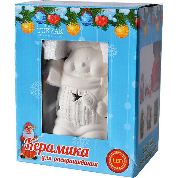 Керамический LED-сувенир для раскрашивания Снеговик или Дед МорозНаборы для творчества новогодние<br>Керамический сувенир для раскрашивания, Tukzar, станет приятным новогодним сюрпризом для Вашего ребенка. В комплект входит керамическая игрушка с подсветкой, которую надо раскрасить понравившимися цветами, кисточка и краски. Готовая игрушка замечательно украсит Ваш новогодний интерьер и поможет создать праздничную волшебную атмосферу. В ассортименте представлены наборы с сувенирами Снеговик и Дед Мороз.<br><br>Дополнительная информация:<br><br>- Материал: керамика.<br>- В комплекте: игрушка для раскрашивания, кисточка, краски.<br>- Размер упаковки: 13 х 10 х 17 см.<br>- Вес: 0,25 кг. <br><br>Керамический сувенир для раскрашивания Снеговик и Дед Мороз, Tukzar, можно купить в нашем интернет-магазине.<br>Ширина мм: 130; Глубина мм: 100; Высота мм: 170; Вес г: 250; Возраст от месяцев: 36; Возраст до месяцев: 144; Пол: Унисекс; Возраст: Детский; SKU: 4188605;