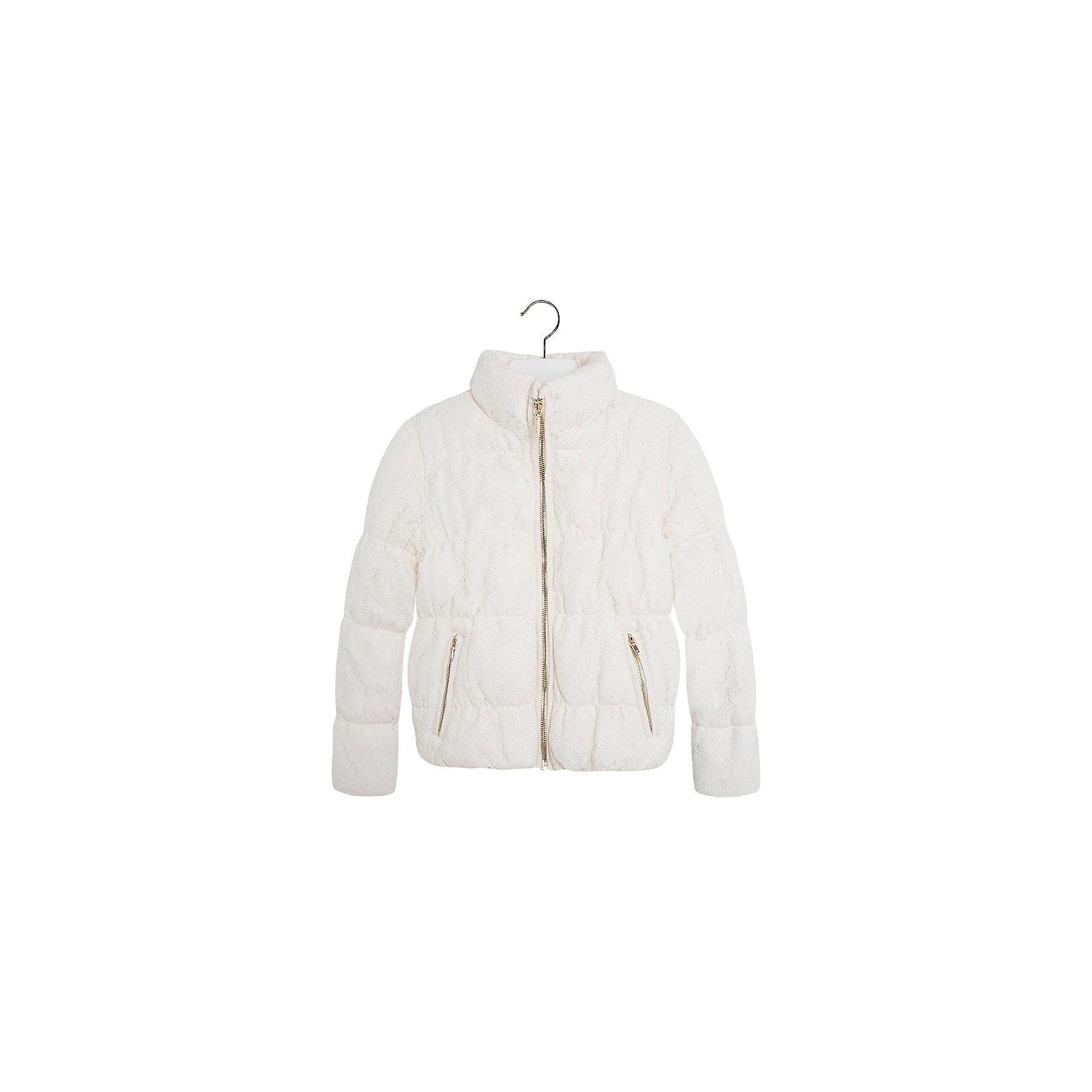 Куртка для девочки MayoralКуртка для девочки от популярной испанской марки Mayoral.<br>Модная куртка от Mayoral – отличный вариант универсальной верхней одежды для детей. Она отлично смотрится с юбками и брюками. Удобный крой и качественный материал обеспечит ребенку комфорт при ношении этой вещи. <br>Модель имеет следующие особенности:<br><br>- цвет: белый;<br>- золотистая фурнитура;<br>- подкладка ;<br>- карманы на молнии;<br>- ворот-стойка;<br>- застежка-молния.<br><br>Дополнительная информация:<br><br>Состав: 61% Хлопок 24% Полиамид 15% Вискоза<br><br>Уход за изделием:<br><br>стирка в машине при температуре до 30°С,<br>не отбеливать.<br><br>Температурный режим:<br><br>от +0° С до +15° С<br><br>Куртку для девочки Mayoral (Майорал) можно купить в нашем магазине.<br><br>Ширина мм: 356<br>Глубина мм: 10<br>Высота мм: 245<br>Вес г: 519<br>Цвет: белый<br>Возраст от месяцев: 132<br>Возраст до месяцев: 144<br>Пол: Женский<br>Возраст: Детский<br>Размер: 152,128,164,158,140<br>SKU: 4190220