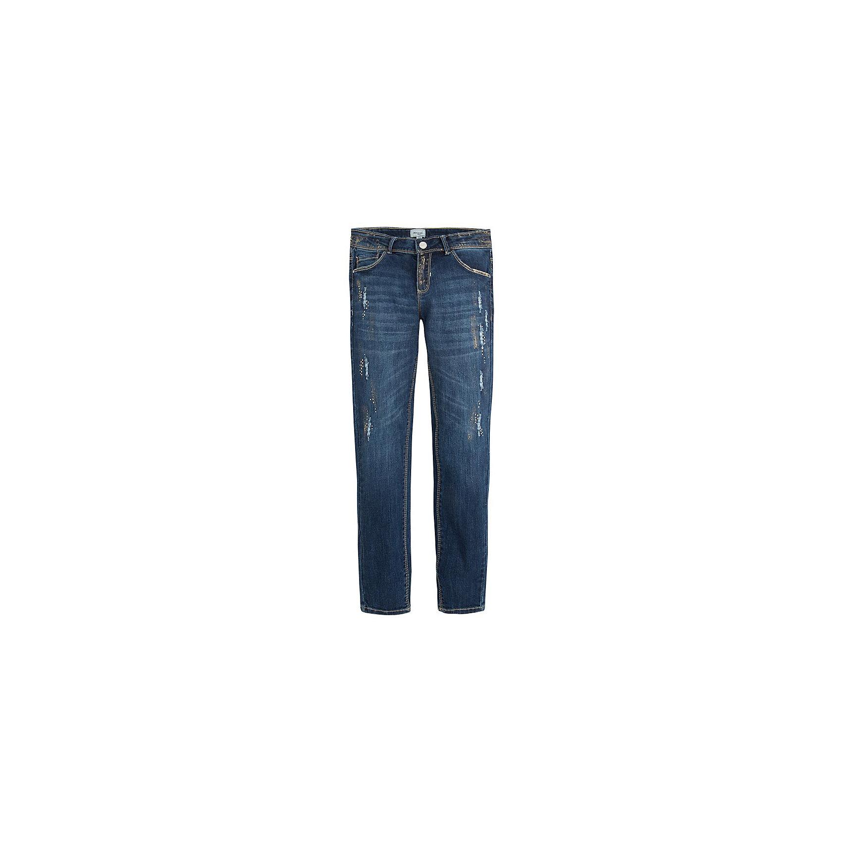 Брюки для девочки MayoralДжинсовая одежда<br>Джинсы для девочки от популярной испанской марки Mayoral.<br><br>Стильные удобные джинсы от известного испанского бренда Mayoral – отличный вариант универсальной одежды для ребенка. Модель украшена золотистыми потертостями, очень модно смотрится благодаря этому. Удобный крой и качественный материал обеспечит ребенку комфорт при ношении этой вещи.<br>Модель имеет следующие особенности:<br><br>- эластичная джинсовая ткань классического синего цвета;<br>- наличие карманов, застежка - молния и пуговица;<br>- шлевки для ремня;<br>- объем талии регулируется внутренней резинкой.<br><br>Состав: 98% хлопок, 2% эластан<br><br>Уход за изделием:<br><br>стирка в машине при температуре до 30°С,<br>не отбеливать,<br>гладить на низкой температуре.<br> <br>Джинсы для девочки Mayoral (Майорал) можно купить в нашем магазине.<br><br>Ширина мм: 215<br>Глубина мм: 88<br>Высота мм: 191<br>Вес г: 336<br>Цвет: голубой<br>Возраст от месяцев: 144<br>Возраст до месяцев: 156<br>Пол: Женский<br>Возраст: Детский<br>Размер: 158,170,164,140,152,128<br>SKU: 4190372