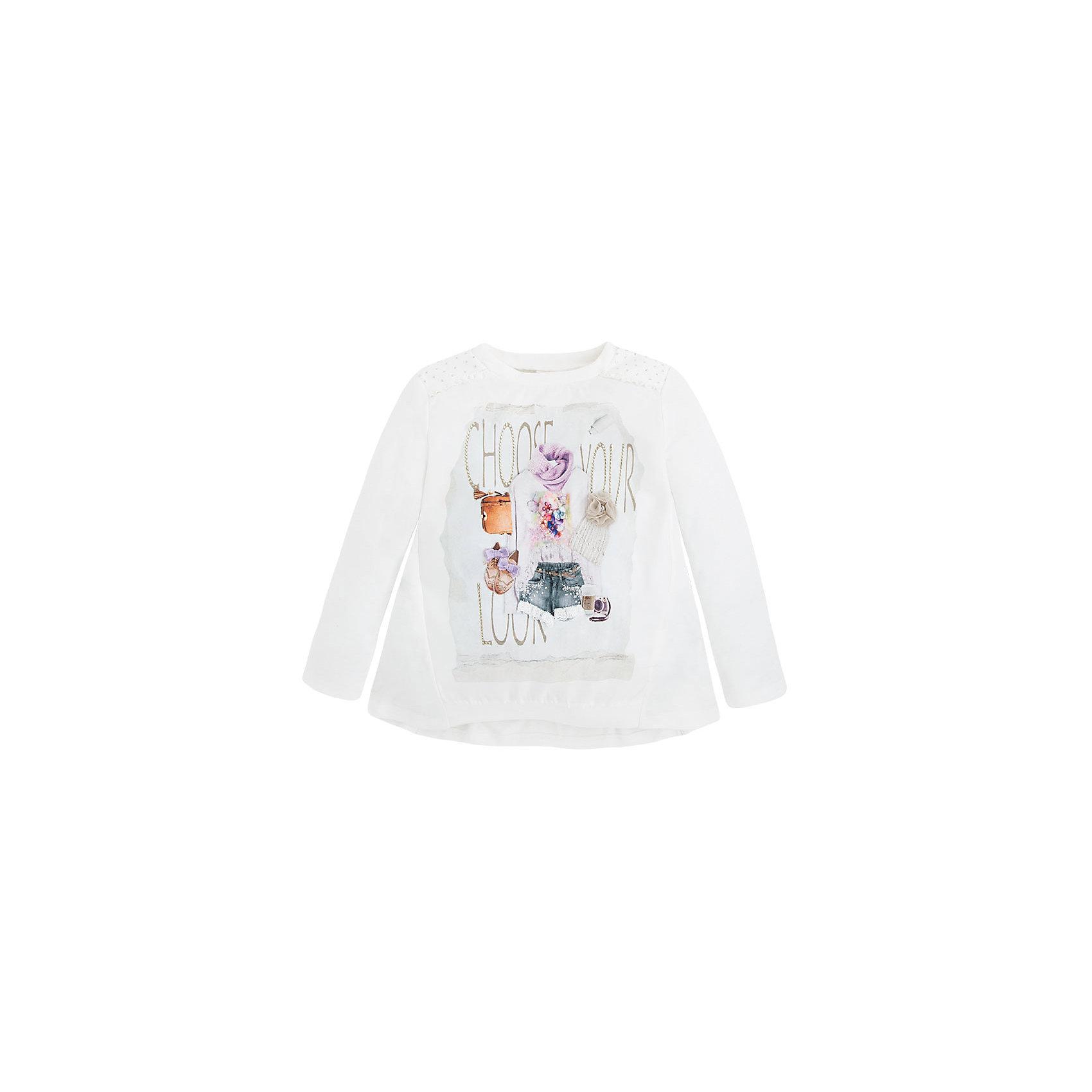 Футболка для девочки MayoralФутболка с длинным рукавом для девочки от популярной испанской марки Mayoral.<br><br>Модная и удобная футболка с длинным рукавом. Модель выполнена в универсальном, но нарядном, белом цвете. Полочка изделия украшена принтом, на котором изображены модные аксессуары и надпись. Принт декорирован стразами и аппликацией. Сзади изделие украшено бантом и присборено. Силуэт - свободный, трапециевидный. Трикотажная футболка с длинным рукавом смотрится модно и эффектно.<br>Удобная стильная футболка от бренда Mayoral разработана специально для детей. Продуманный крой и качественный материал обеспечит комфорт при ношении этой вещи. Натуральный хлопок в составе изделия делает его дышащим и мягким.<br>Состав: 25% вискоза, 75% полиэстер<br>Уход за изделием:<br>• стирка в машине при температуре до 30°С,<br>• не отбеливать,<br>• гладить на низкой температуре.<br><br>Футболку с длинным рукавом для девочки Mayoral (Майорал) можно купить в нашем магазине.<br><br>Ширина мм: 199<br>Глубина мм: 10<br>Высота мм: 161<br>Вес г: 151<br>Цвет: бежевый<br>Возраст от месяцев: 48<br>Возраст до месяцев: 60<br>Пол: Женский<br>Возраст: Детский<br>Размер: 110,104,116,122,134,128,98,92<br>SKU: 4191429