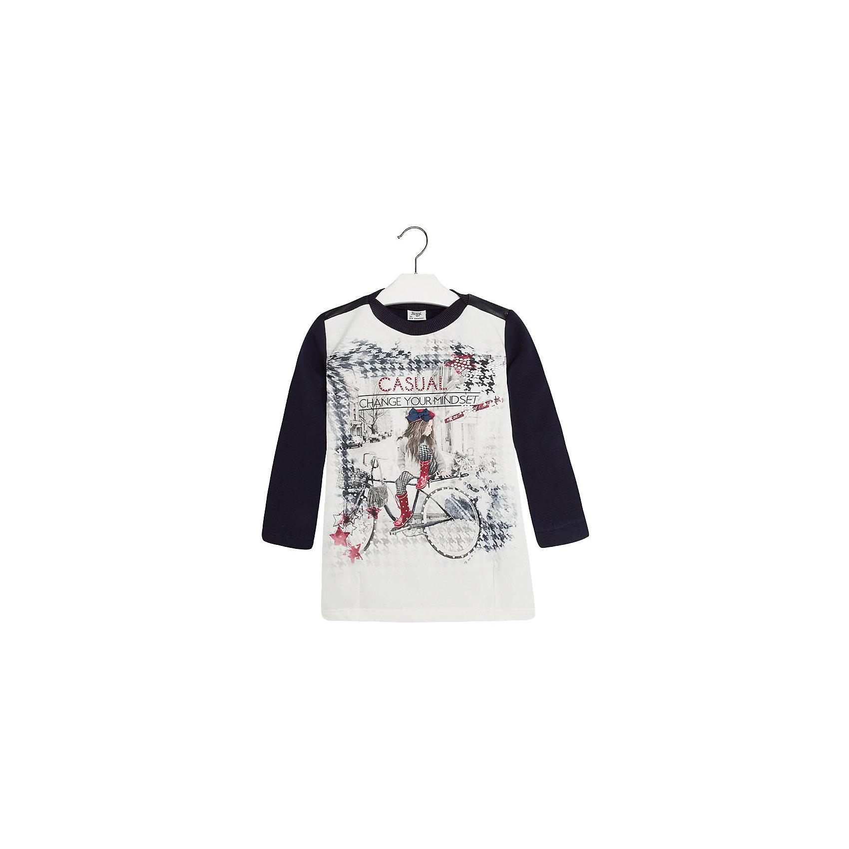 Платье MayoralПлатье для девочки от известной испанской марки Mayoral.<br>Модное платье от известного бренда Mayoral поможет девочке создать и повседневный, и нарядный образ. Удобный крой и качественный материал обеспечит ребенку комфорт при ношении этой вещи.<br>Модель имеет следующие особенности:<br><br>- цвет – темно-синий;<br>- полочка с принтом (девочка на велосипеде);<br>- принт украшен металлизированными элементами;<br>- круглый вырез;<br>- длинные рукава;<br>- на плечах - кожаные вставки.<br><br>Состав: 95% Хлопок, 5% Эластан<br><br>Уход за изделием:<br><br>• стирка в машине при температуре до 30°С,<br>• не отбеливать,<br>• гладить на низкой температуре.<br><br>Платье для девочки Mayoral (Майорал) можно купить в нашем магазине.<br><br>Ширина мм: 236<br>Глубина мм: 16<br>Высота мм: 184<br>Вес г: 177<br>Цвет: синий<br>Возраст от месяцев: 48<br>Возраст до месяцев: 60<br>Пол: Женский<br>Возраст: Детский<br>Размер: 110,104,98,92,116,122,134,128<br>SKU: 4192269
