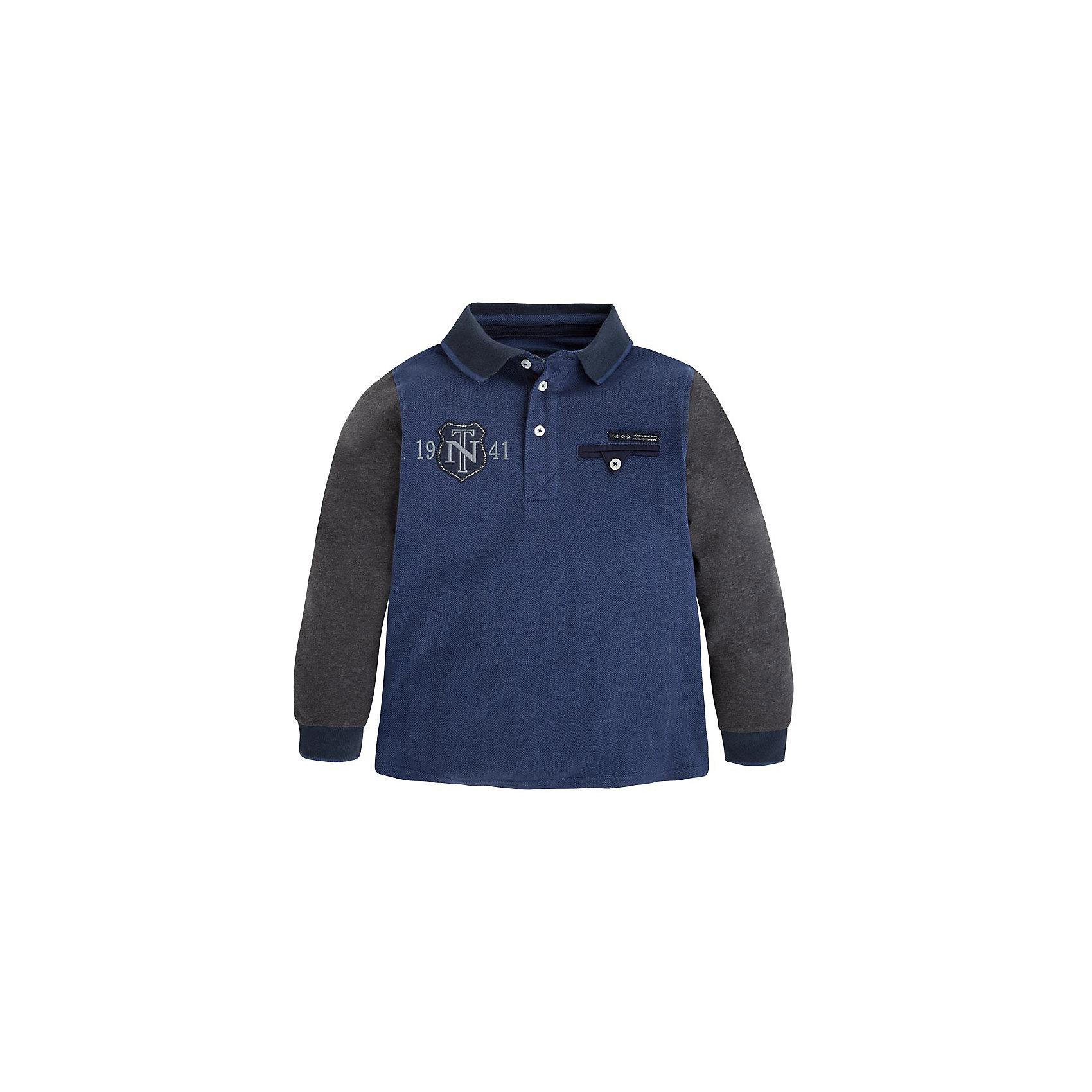 Рубашка-поло  для мальчика MayoralРубашка-поло для мальчика от популярной испанской марки Mayoral.<br><br>Удобная стильная рубашка-поло от бренда Mayoral разработана специально для детей. Удобный крой и качественный материал обеспечит комфорт при ношении этой вещи. Натуральный хлопок в составе изделия делает его дышащим и мягким.<br>Рубашка выполнена в практичной расцветке - серый с синим. Декорирована вышивкой и аппликацией. На рукавах - мягкие манжеты.<br>Состав: 100% хлопок<br>Уход за изделием:<br>• стирка в машине при температуре до 30°С,<br>• не отбеливать,<br>• гладить на низкой температуре.<br><br>Рубашку-поло для мальчика Mayoral (Майорал) можно купить в нашем магазине.<br><br>Ширина мм: 174<br>Глубина мм: 10<br>Высота мм: 169<br>Вес г: 157<br>Цвет: синий<br>Возраст от месяцев: 144<br>Возраст до месяцев: 156<br>Пол: Мужской<br>Возраст: Детский<br>Размер: 158,152,164,140,128<br>SKU: 4192476