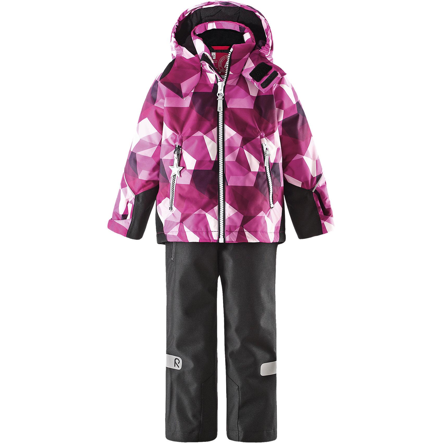 Комплект: куртка и брюки для девочки ReimaОдежда<br>Комплект: куртка и брюки для девочки от финской марки Reima.<br>*Детская водонепроницаемая зимняя куртка Kiddo <br>*Основные швы проклеены, водонепроницаемы<br>*Безопасный съемный капюшон<br>*Прочные усиленные вставки на подоле сзади и манжетах <br>* Два кармана на молнии<br>*Регулируемый подол и манжеты<br>*Множество светоотражающих элементов<br>*Утеплитель: куртка 160 грамм, брюки 120 грамм (100% полиэстер)<br>* Детские водонепроницаемые зимние брюки Kiddo® <br>* Все швы проклеены, водонепроницаемы<br>* Прочный материал<br>* Съемные регулируемые подтяжки<br>* Удлиненная нижняя часть сзади<br>* Ширинка на молнии<br>* Один карман на молнии<br>* Регулируемая ширина отворотов <br>* Отвороты на кнопке задерживают снег<br>Состав:<br>100% Полиэстер, Полиуретан-покрытие<br><br><br>Комплект: куртка и брюки для девочки Reima (Рейма) можно купить в нашем магазине.<br><br>Ширина мм: 356<br>Глубина мм: 10<br>Высота мм: 245<br>Вес г: 519<br>Цвет: розовый<br>Возраст от месяцев: 18<br>Возраст до месяцев: 24<br>Пол: Женский<br>Возраст: Детский<br>Размер: 110,92,116,134,98,104,140,128,122<br>SKU: 4193818