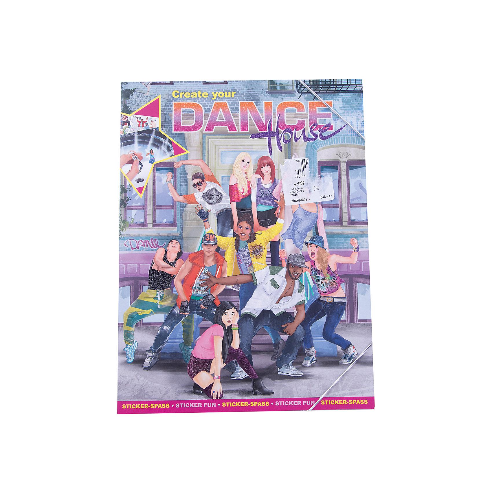 Альбом с наклейками Create your Dance House, Creative StudioКнижки с наклейками<br>Альбом с наклейками Create your Dance House, Creative Studio<br><br>Характеристики:<br><br>• В комплекте: раскраска, 3 листа с наклейками<br>• Возраст: от 3 до 6 лет<br>• Количество страниц: 24<br>• Размер: 33х25<br><br>Этот альбом «Создай свою танцевальную школу» из серии CreativeStudio содержит 24 листа с различными сюжетами из школы танцев, которые должны быть наполнены героями и предметами интерьера. На 4 листах с наклейками ребенок обнаружит украшения для школы, стильные предметы интерьера и многое другое, что позволит сделать собственную танцевальную студию. Эта книга помогает развитию воображения вашего ребенка и его мелкой моторики. <br><br>Альбом с наклейками Create your Dance House, Creative Studio можно купить в нашем интернет-магазине.<br><br>Ширина мм: 335<br>Глубина мм: 256<br>Высота мм: 20<br>Вес г: 278<br>Возраст от месяцев: 60<br>Возраст до месяцев: 108<br>Пол: Женский<br>Возраст: Детский<br>SKU: 4200235