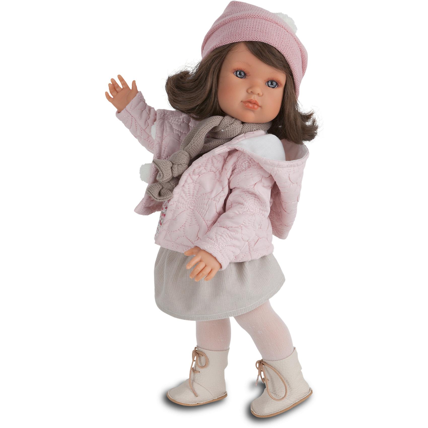 Кукла Белла Зимний наряд, 45 см, Munecas Antonio JuanИдеи подарков<br>Кукла Белла Зимний наряд, 45 см, Munecas Antonio Juan (Мунекас Антонио Хуан) – эта маленькая кокетка очарует и взрослых, и детей.<br>Кукла Белла от испанского производителя Мунекас Антонио Хуан выглядит как настоящая девочка, а ее трогательный внешний вид вызывает только самые положительные и добрые эмоции. Эта чудесная милая малышка станет любимицей Вашей девочки и будет воспитывать в ней доброту, внимание и заботу. У куклы-девочки очаровательное детское лицо, выполненное с тщательной прорисовкой деталей. Выразительные глаза обрамлены длинными ресницами. Ее густые шелковистые волосы легко расчесывать и делать различные прически. Чудесный наряд куклы создан испанским дизайнером. Кукла одета в стильное серое платье, теплую куртку. На ногах у нее теплые колготки и сапожки. Шарфик и шапочка с помпоном гармонично дополняет образ куклы. У куклы подвижны руки, ноги и голова. Изготовлена из высококачественного винила с добавлением силикона. Образы малышей Мунекас разработаны известными европейскими дизайнерами. Они натуралистичны, анатомически точны.<br><br>Дополнительная информация:<br><br>- Глаза куклы не закрываются<br>- Высота куклы: 45 см.<br>- Материал: винил, силикон, текстиль<br><br>Куклу Беллу Зимний наряд, 45 см, Munecas Antonio Juan (Мунекас Антонио Хуан) можно купить в нашем интернет-магазине.<br><br>Ширина мм: 530<br>Глубина мм: 275<br>Высота мм: 135<br>Вес г: 1525<br>Возраст от месяцев: 36<br>Возраст до месяцев: 84<br>Пол: Женский<br>Возраст: Детский<br>SKU: 4201304