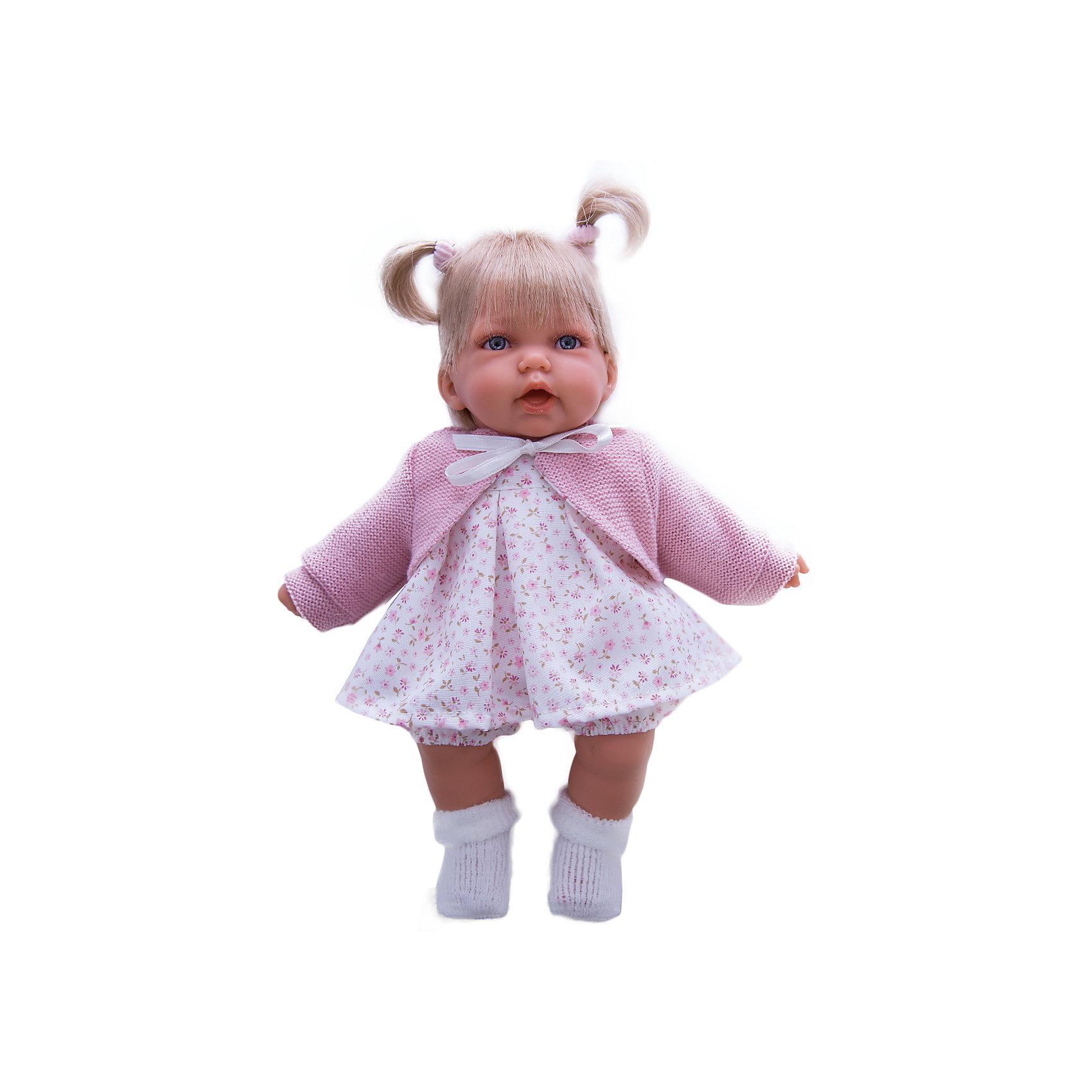 Кукла Элис в розовом, 27 см, Munecas Antonio JuanКукла Элис в розовом, 27 см, Munecas Antonio Juan (Мунекас Антонио Хуан) - эта очаровательная малышка покорит и детей, и родителей.<br>Кукла Элис выглядит как настоящий ребенок, а ее трогательный внешний вид вызывает только самые положительные и добрые эмоции. Эта чудесная милая малышка станет любимицей Вашей девочки и будет воспитывать в ней доброту, внимание и заботу. Личико куклы сделано с детальными прорисовками. Пухлые щечки и губки, выразительные глаза придают игрушке реалистичный вид. Ротик у куклы приоткрыт. Малышка Элис одета светлое платье в мелкий рисунок, розовую кофточку и белые носочки. Волосы завязаны в два хвостика. При нажатии на животик куклы, она весело смеется, а так же может позвать маму и папу. Тельце у куклы мягко-набивное, голова, ручки и ножки сделаны из высококачественного винила. Ручки и ножки подвижны. Кукла изготовлена из высококачественных и экологически чистых материалов, поэтому безопасна для детей любого возраста, соответствует всем нормам и требованиям к качеству детских товаров. Образы малышей Мунекас разработаны известными европейскими дизайнерами. Они натуралистичны, анатомически точны.<br><br>Дополнительная информация:<br><br>- Интерактивные функции куклы: нажмите на животик 1 раз кукла засмеется, 2ой раз - кукла скажет мама, 3ий раз - скажет папа<br>- Глаза куклы не закрываются<br>- Высоты куклы: 27 см.<br>- Работает от 3-х батареек LR44 (таблетки) (батарейки входят в комплект)<br>- Материал: винил, текстиль<br><br>Куклу Элис в розовом, 27 см, Munecas Antonio Juan (Мунекас Антонио Хуан) можно купить в нашем интернет-магазине.<br><br>Ширина мм: 315<br>Глубина мм: 180<br>Высота мм: 145<br>Вес г: 650<br>Возраст от месяцев: 36<br>Возраст до месяцев: 84<br>Пол: Женский<br>Возраст: Детский<br>SKU: 4201309