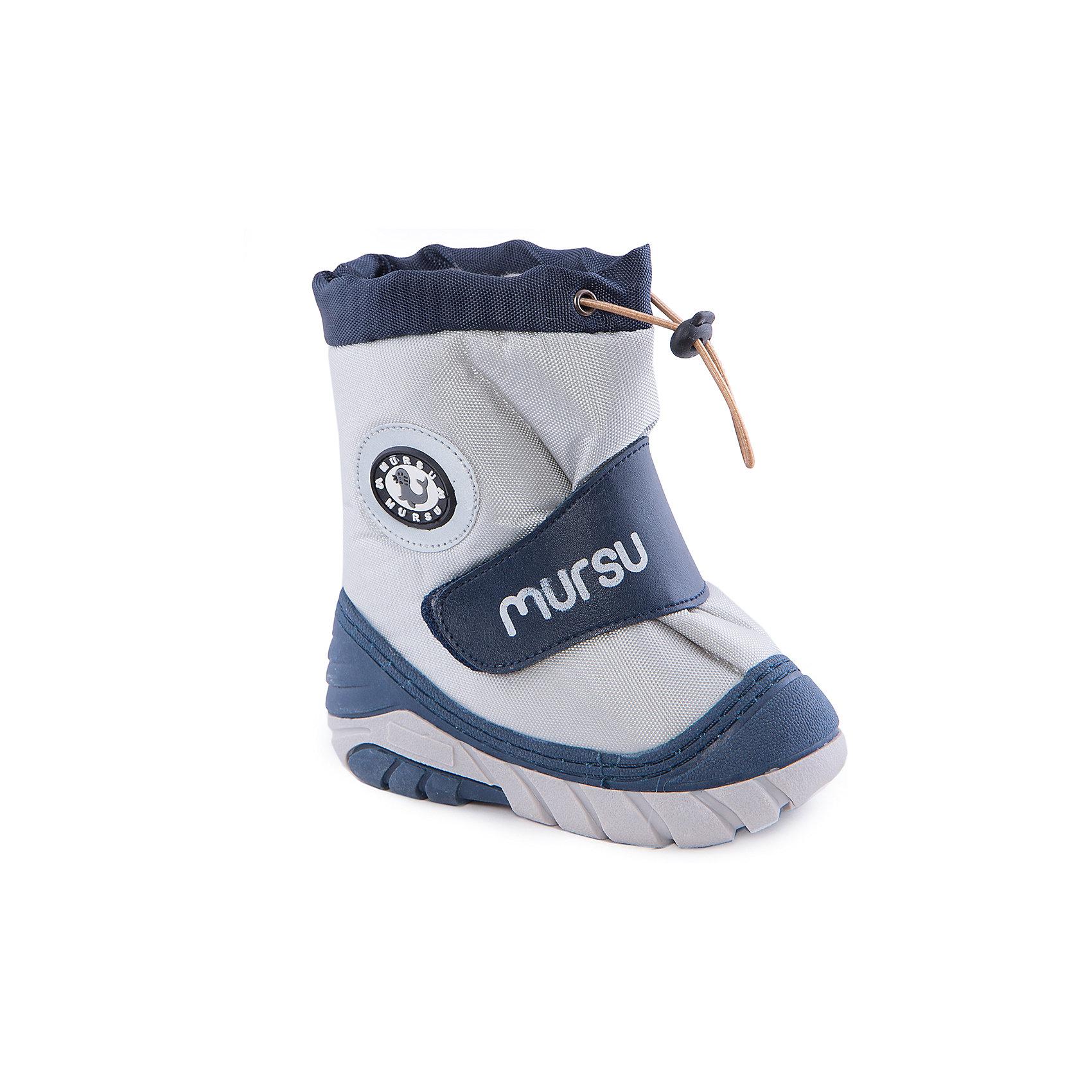Сапоги для мальчика MURSUСапоги для мальчика от известного финского бренда MURSU - прекрасный вариант на холодную погоду. Модель на рифленой подошве дополнена застежкой-липучкой, декорирована аппликацией. Мягкое голенище затягивается на шнурок с пластиковым стопором. Сапоги выполнены из высококачественных материалов, отлично защищают ноги ребенка от холода и влаги. Идеальный вариант для наших погодных условий. <br><br>Дополнительная информация:<br><br>- Сезон: осень/зима.<br>- Температурный режим: от -5? до -20?<br>- Тип застежки: липучка, шнурок.<br>- Рифленая подошва. <br>- Декоративные элементы: аппликация. <br><br>Состав:<br><br>- Материал верха: текстиль / PU.<br>- Материал подкладки: натуральная шерсть.<br>- Материал подошвы: TPR.<br>- Материал стельки: натуральная шерсть.<br><br>Сапоги для мальчика, MURSU (Мурсу), можно купить в нашем магазине.<br><br>Ширина мм: 257<br>Глубина мм: 180<br>Высота мм: 130<br>Вес г: 420<br>Цвет: сине-серый<br>Возраст от месяцев: 6<br>Возраст до месяцев: 12<br>Пол: Мужской<br>Возраст: Детский<br>Размер: 19/20,25/26,23/24,21/22<br>SKU: 4202364