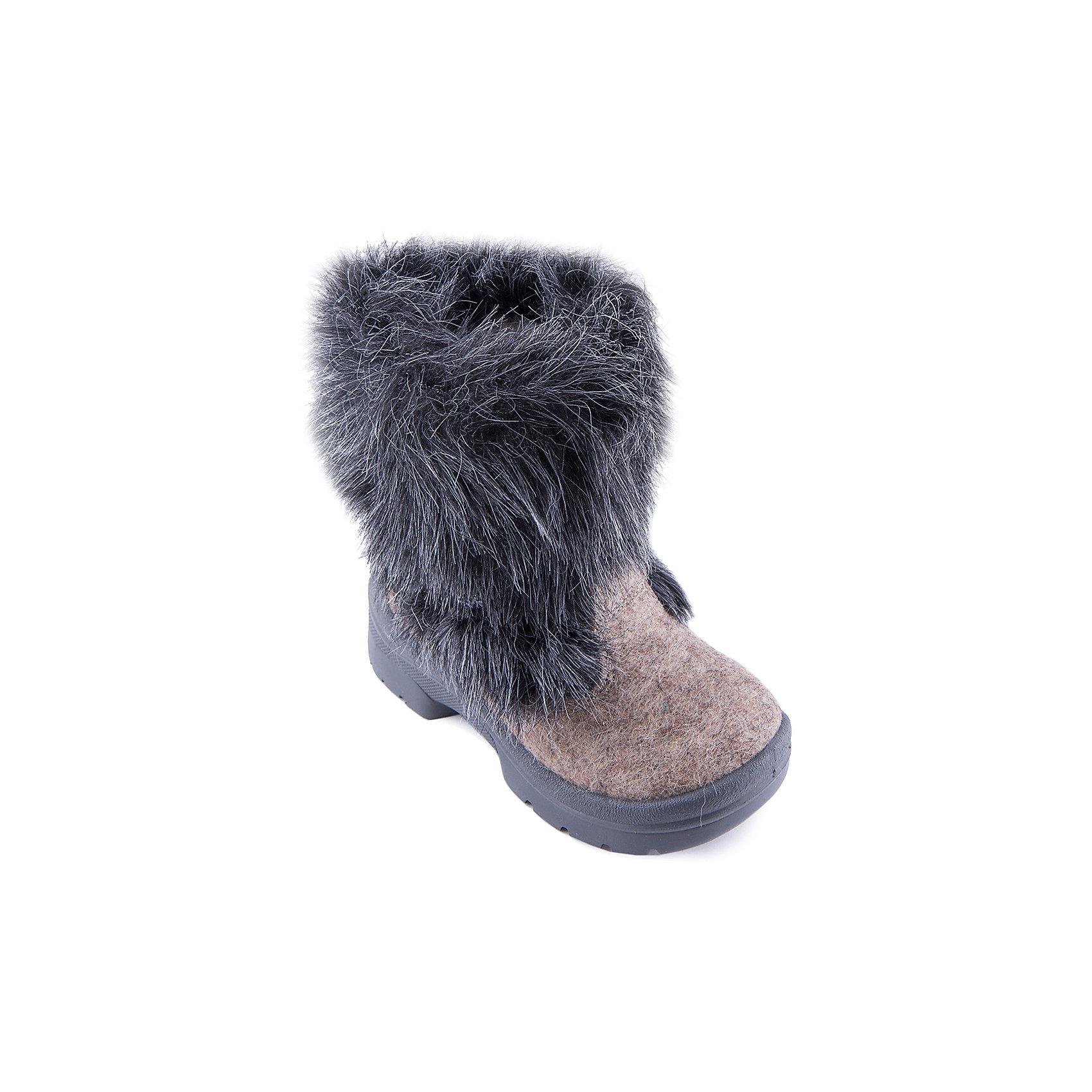 Валенки Ночная сказка для мальчика ФилипокВаленки<br>Характеристики товара:<br><br>• цвет: черный<br>• температурный режим: от -5° С до -30° С<br>• внешний материал: эко-войлок (натуральная шерсть)<br>• подкладка: натуральная овечья шерсть<br>• стелька: шерстяной войлок (3,5 мм)<br>• подошва: литая, полиуретан<br>• декорированы искусственным мехом<br>• подошва с анти скользящей с системой протектора anti slip<br>• защита носка - натуральная кожа с износостойкой пропиткой<br>• усиленная пятка<br>• толстая устойчивая подошва<br>• страна бренда: РФ<br>• страна изготовитель: РФ<br><br>Очень теплые и удобные валенки для ребенка от известного бренда детской обуви Филипок созданы специально для русской зимы. Качественные материалы с пропиткой против попадания воды внутрь и модный дизайн понравятся и малышам и их родителям. Подошва и стелька обеспечат ребенку комфорт, сухость и тепло, позволяя в полной мере наслаждаться зимним отдыхом. Усиленная защита пятки и носка обеспечивает дополнительную безопасность детских ног в этих сапожках.<br>Эта красивая и удобная обувь прослужит долго благодаря отличному качеству. Производитель анти скользящее покрытие и амортизирующие свойства подошвы! Модель производится из качественных и проверенных материалов, которые безопасны для детей.<br><br>Валенки для мальчика от бренда Филипок можно купить в нашем интернет-магазине.<br><br>Ширина мм: 257<br>Глубина мм: 180<br>Высота мм: 130<br>Вес г: 420<br>Цвет: черный<br>Возраст от месяцев: 60<br>Возраст до месяцев: 72<br>Пол: Мужской<br>Возраст: Детский<br>Размер: 24,29,25,27,32,31,30,28,26<br>SKU: 4207133