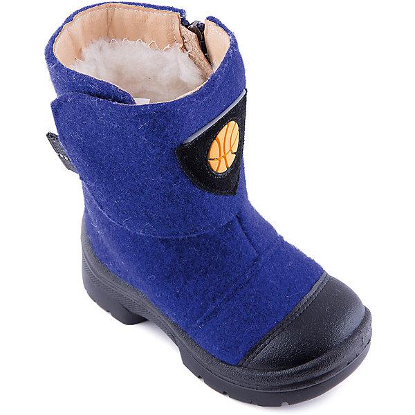 Валенки Баскетбол для мальчика ФилипокВаленки<br>Характеристики товара:<br><br>• цвет: синий<br>• температурный режим: от -5° С до -30° С<br>• внешний материал: эко-войлок (натуральная шерсть)<br>• подкладка: натуральная овечья шерсть<br>• стелька: шерстяной войлок (3,5 мм)<br>• подошва: литая, полиуретан<br>• декорированы аппликацией<br>• подошва с анти скользящей с системой протектора anti slip<br>• застежка: молния, липучка<br>• защита носка - натуральная кожа с износостойкой пропиткой<br>• усиленная пятка<br>• толстая устойчивая подошва<br>• страна бренда: РФ<br>• страна изготовитель: РФ<br><br>Очень теплые и удобные валенки для ребенка от известного бренда детской обуви Филипок созданы специально для русской зимы. Качественные материалы с пропиткой против попадания воды внутрь и модный дизайн понравятся и малышам и их родителям. Подошва и стелька обеспечат ребенку комфорт, сухость и тепло, позволяя в полной мере наслаждаться зимним отдыхом. Усиленная защита пятки и носка обеспечивает дополнительную безопасность детских ног в этих сапожках.<br>Эта красивая и удобная обувь прослужит долго благодаря отличному качеству. Производитель анти скользящее покрытие и амортизирующие свойства подошвы! Модель производится из качественных и проверенных материалов, которые безопасны для детей.<br><br>Валенки для мальчика от бренда Филипок можно купить в нашем интернет-магазине.<br><br>Ширина мм: 257<br>Глубина мм: 180<br>Высота мм: 130<br>Вес г: 420<br>Цвет: синий<br>Возраст от месяцев: 60<br>Возраст до месяцев: 72<br>Пол: Мужской<br>Возраст: Детский<br>Размер: 29,32,31,30,28,23,25,24,26,27<br>SKU: 4207160