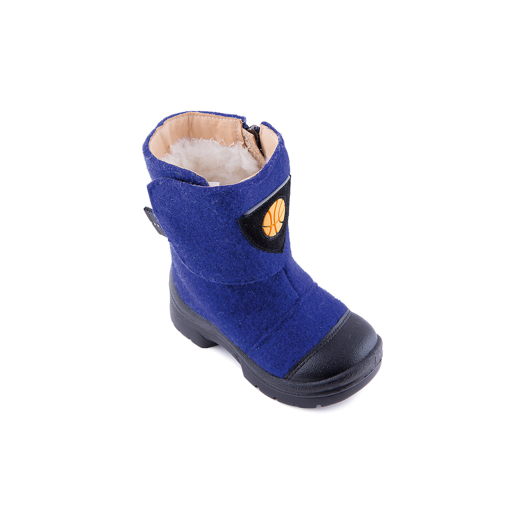 Валенки Баскетбол для мальчика ФилипокВаленки<br>Характеристики товара:<br><br>• цвет: синий<br>• температурный режим: от -5° С до -30° С<br>• внешний материал: эко-войлок (натуральная шерсть)<br>• подкладка: натуральная овечья шерсть<br>• стелька: шерстяной войлок (3,5 мм)<br>• подошва: литая, полиуретан<br>• декорированы аппликацией<br>• подошва с анти скользящей с системой протектора anti slip<br>• застежка: молния, липучка<br>• защита носка - натуральная кожа с износостойкой пропиткой<br>• усиленная пятка<br>• толстая устойчивая подошва<br>• страна бренда: РФ<br>• страна изготовитель: РФ<br><br>Очень теплые и удобные валенки для ребенка от известного бренда детской обуви Филипок созданы специально для русской зимы. Качественные материалы с пропиткой против попадания воды внутрь и модный дизайн понравятся и малышам и их родителям. Подошва и стелька обеспечат ребенку комфорт, сухость и тепло, позволяя в полной мере наслаждаться зимним отдыхом. Усиленная защита пятки и носка обеспечивает дополнительную безопасность детских ног в этих сапожках.<br>Эта красивая и удобная обувь прослужит долго благодаря отличному качеству. Производитель анти скользящее покрытие и амортизирующие свойства подошвы! Модель производится из качественных и проверенных материалов, которые безопасны для детей.<br><br>Валенки для мальчика от бренда Филипок можно купить в нашем интернет-магазине.<br><br>Ширина мм: 257<br>Глубина мм: 180<br>Высота мм: 130<br>Вес г: 420<br>Цвет: синий<br>Возраст от месяцев: 21<br>Возраст до месяцев: 24<br>Пол: Мужской<br>Возраст: Детский<br>Размер: 24,32,25,27,26,23,28,29,30,31<br>SKU: 4207160