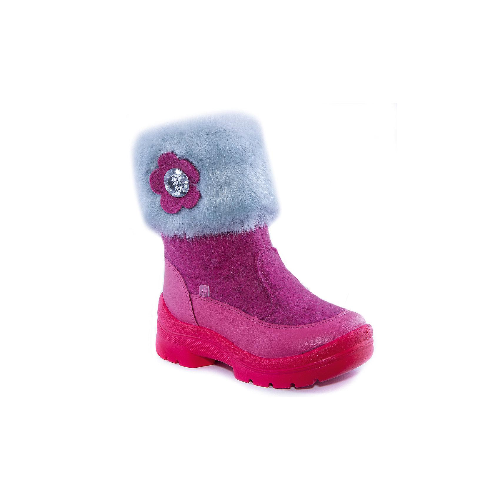 Валенки Клементина для девочки ФилипокВаленки<br>Характеристики товара:<br><br>• цвет: розовый<br>• температурный режим: от -5° С до -30° С<br>• внешний материал: эко-войлок (натуральная шерсть)<br>• подкладка: натуральная овечья шерсть<br>• стелька: шерстяной войлок (3,5 мм)<br>• подошва: литая, полиуретан<br>• декорированы искусственным мехом<br>• подошва с анти скользящей с системой протектора anti slip<br>• застежка: молния<br>• защита носка - натуральная кожа с износостойкой пропиткой<br>• усиленная пятка<br>• толстая устойчивая подошва<br>• страна бренда: РФ<br>• страна изготовитель: РФ<br><br>Очень теплые и удобные валенки для ребенка от известного бренда детской обуви Филипок созданы специально для русской зимы. Качественные материалы с пропиткой против попадания воды внутрь и модный дизайн понравятся и малышам и их родителям. Подошва и стелька обеспечат ребенку комфорт, сухость и тепло, позволяя в полной мере наслаждаться зимним отдыхом. Усиленная защита пятки и носка обеспечивает дополнительную безопасность детских ног в этих сапожках.<br>Эта красивая и удобная обувь прослужит долго благодаря отличному качеству. Производитель анти скользящее покрытие и амортизирующие свойства подошвы! Модель производится из качественных и проверенных материалов, которые безопасны для детей.<br><br>Валенки для девочки от бренда Филипок можно купить в нашем интернет-магазине.<br><br>Ширина мм: 257<br>Глубина мм: 180<br>Высота мм: 130<br>Вес г: 420<br>Цвет: розовый<br>Возраст от месяцев: 24<br>Возраст до месяцев: 24<br>Пол: Женский<br>Возраст: Детский<br>Размер: 25,24,28,31,32,30,29,27,26<br>SKU: 4207298