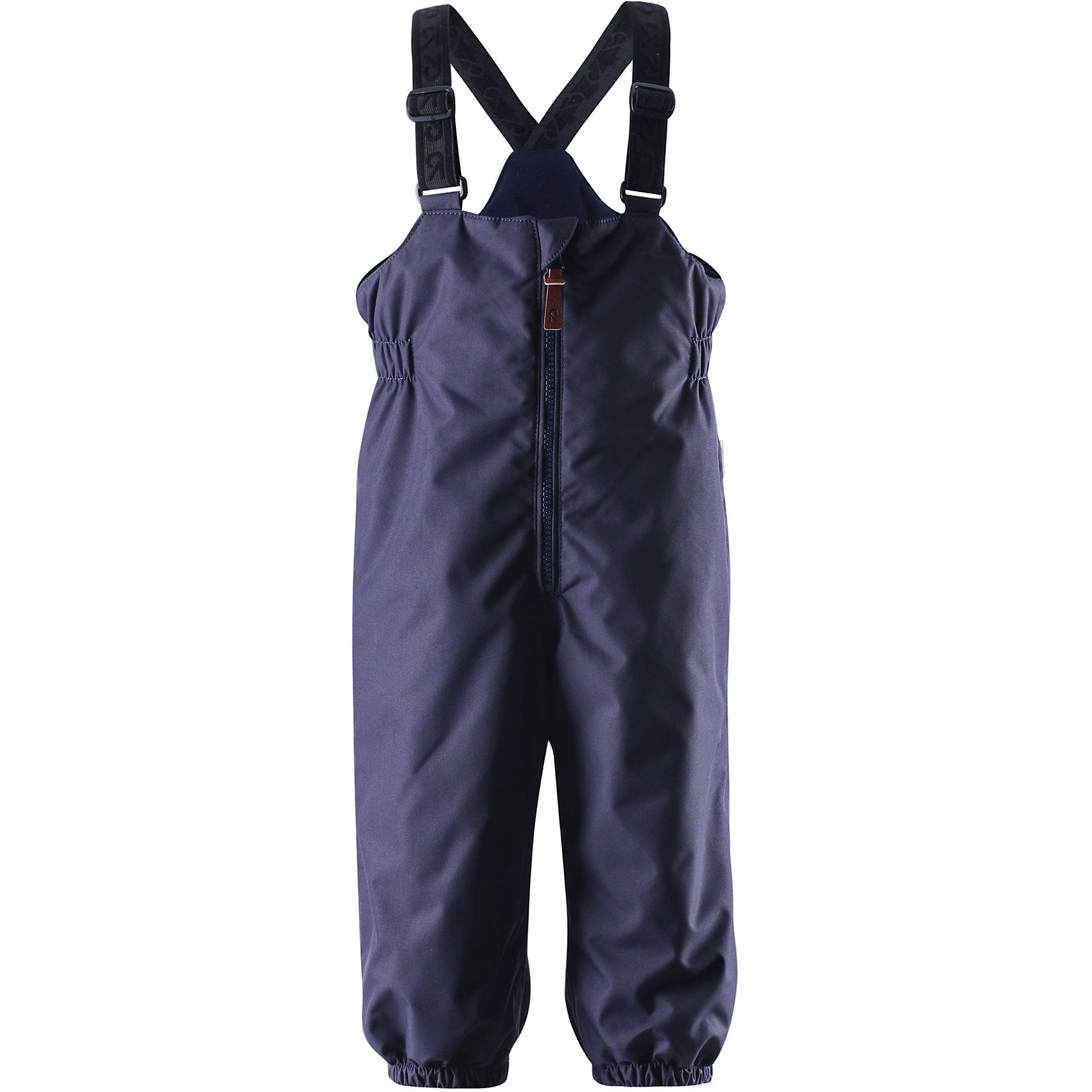 Брюки Matias для мальчика ReimaВерхняя одежда<br>Эти популярные у малышей брюки из коллекции ORIGINAL от Reima (Рейма) так и зовут повеселиться в зимний денёк! Эти великолепные практичные брюки подходят для всех видов зимнего отдыха на свежем воздухе. Дети не вспотеют играя в водонепроницаемых, пропускающих воздух брюках. Поверхность материала отталкивает воду и грязь. Завышенная талия и регулируемые подтяжки гарантируют, что брюки будут сидеть по фигуре, а длинная молния спереди облегчит одевание. Благодаря дополнительно утеплённой задней части брюк, малыши не замёрзнут катаясь на санках и скользя в снегу. Эластичные штрипки удержат концы брючин на своём месте во время прогулки. Эти надёжные брюки теперь можно приобрести в великолепных модных в этом сезоне расцветках!<br><br> Водонепроницаемые зимние брюки для малышей в стиле ORIGINAL<br> Основные швы проклеены, водонепроницаемы<br> Регулируемые подтяжки<br> Длинная молния спереди<br> Дополнительно утеплённая задняя часть брюк<br> Съёмные эластичные штрипки<br>Состав:<br>100% ПЭ, ПУ-покрытие<br>Средняя степень утепления (до - 20)<br>Утеплитель: 140 г (100% полиэстер)<br><br>Брюки Reima (Рейма) можно купить в нашем магазине.<br><br>Ширина мм: 570<br>Глубина мм: 355<br>Высота мм: 101<br>Вес г: 337<br>Цвет: синий<br>Возраст от месяцев: 9<br>Возраст до месяцев: 12<br>Пол: Мужской<br>Возраст: Детский<br>Размер: 80,98,92,86,74<br>SKU: 4208227