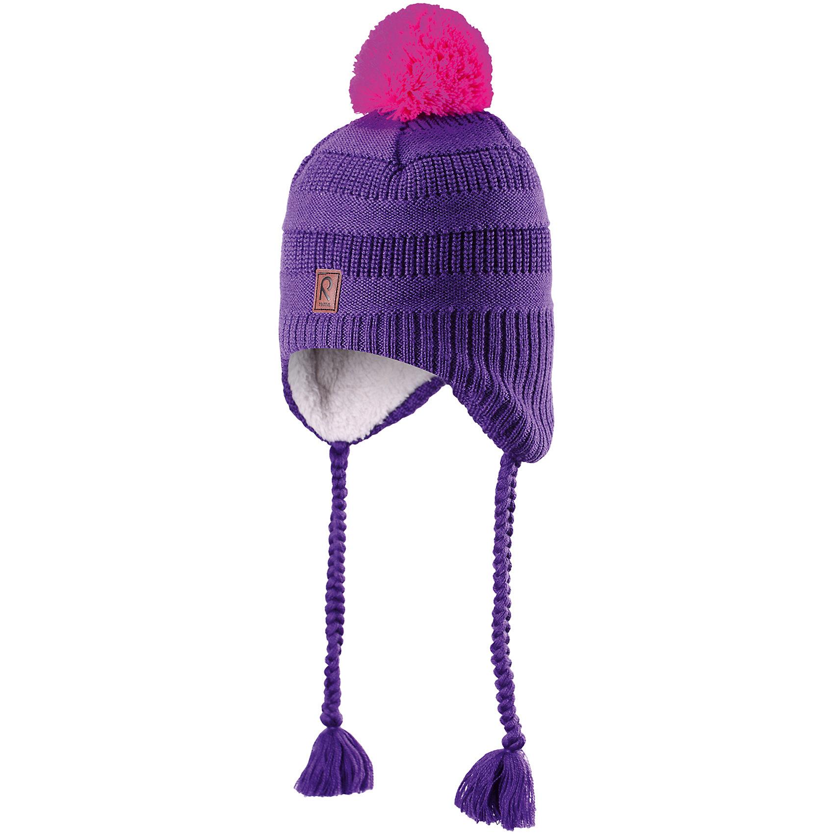Шапка для девочки ReimaЭта забавная яркая шапочка-бини для малышей и детей постарше отлично подойдёт для активных маленьких рыцарей и принцесс! Шапка связана из смеси тёплой шерсти и имеет пушистую подкладку с начёсом, поэтому её приятно носить. Ветронепроницаемые вставки в области ушей защитят от холодного зимнего ветра, поэтому маленькие ушки не замёрзнут, когда ребёнок будет играть на улице. Симпатичный помпон и объемный узор в виде кос завершают образ!<br><br>Шапка-бини для малышей и детей постарше<br>Связана из смеси тёплой шерсти<br>Полностью на подкладке: Мягкий, тёплый полиэстер с начёсом<br>Ветронепроницаемые вставки в области ушей<br>Состав:<br>50% Шерсть 50% Акрил<br><br><br>Шапку Reima (Рейма) можно купить в нашем магазине.<br><br>Ширина мм: 89<br>Глубина мм: 117<br>Высота мм: 44<br>Вес г: 155<br>Цвет: фиолетовый<br>Возраст от месяцев: 12<br>Возраст до месяцев: 24<br>Пол: Женский<br>Возраст: Детский<br>Размер: 52,50,48,54<br>SKU: 4208808