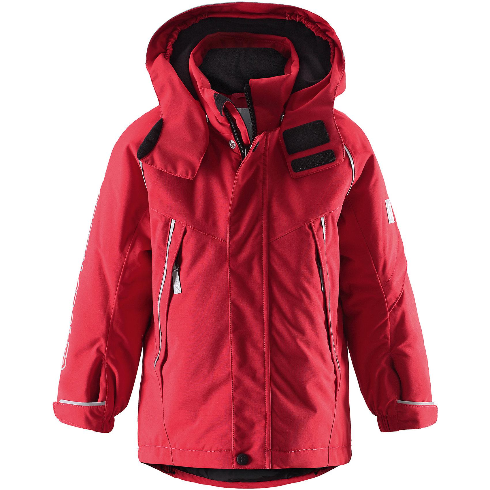 Куртка для мальчика Reimatec® ReimaЭта стильная функциональная зимняя куртка отлично смотрится как на склонах гор, так и в городе! Зимняя куртка Reimatec® (Рейматек) изготовлена ??из прочного водонепроницаемого материала и является must-have этой зимой. Ветронепроницаемый, но дышащий материал обеспечивает комфорт и не позволяет ребенку вспотеть во время продолжительного отдыха на открытом воздухе. Водо- и грязеотталкивающая поверхность и проклеенные швы предотвращают попадание воды и грязи. После стирки ее можно сушить в центрифуге! Гладкая подкладка из полиэстера позволяет легко надевать куртку. Обратите внимание, что куртка оснащена специальными кнопками Play Layers®, что позволяет пристегивать к ней промежуточный слой Reima® для дополнительного тепла и комфорта. На капюшоне имеется клапан, защищающий шею от ветра, и козырек, обеспечивающий видимость ребенка в темноте. Куртка регулируется на талии для хорошей посадки, манжеты регулируются с помощью липучки. Кроме карманов на молнии, на куртке имеется внутренний нагрудный карман и карман на рукаве для хранения карточки лыжного клуба. Видимость после захода солнца обеспечивается множеством светоотражающих принтов на рукаве, на котором указан адрес завода Reima. Проста в уходе, можно сушить в центрифуге.<br><br>Дополнительная информация:<br><br>Водонепроницаемая зимняя куртка для детей постарше, модель для мальчиков<br>Все швы проклеены, водонепроницаемы<br>Безопасный съемный капюшон со светоотражающим козырьком<br>На рукаве карман для карты лыжного клубы                                                                                             Два кармана на молнии<br>Подол регулируется<br>Безопасные светоотражающие детали<br>Состав:<br>100% ПА, ПУ-покрытие<br>Средняя степень утепления (до - 20)<br>Утеплитель: 160 г<br><br>Куртку для мальчика Reimatec® (Рейматек) Reima (Рейма) можно купить в нашем магазине.<br><br>Ширина мм: 356<br>Глубина мм: 10<br>Высота мм: 245<br>Вес г: 519<br>Цвет: красный<br>Возраст от месяце
