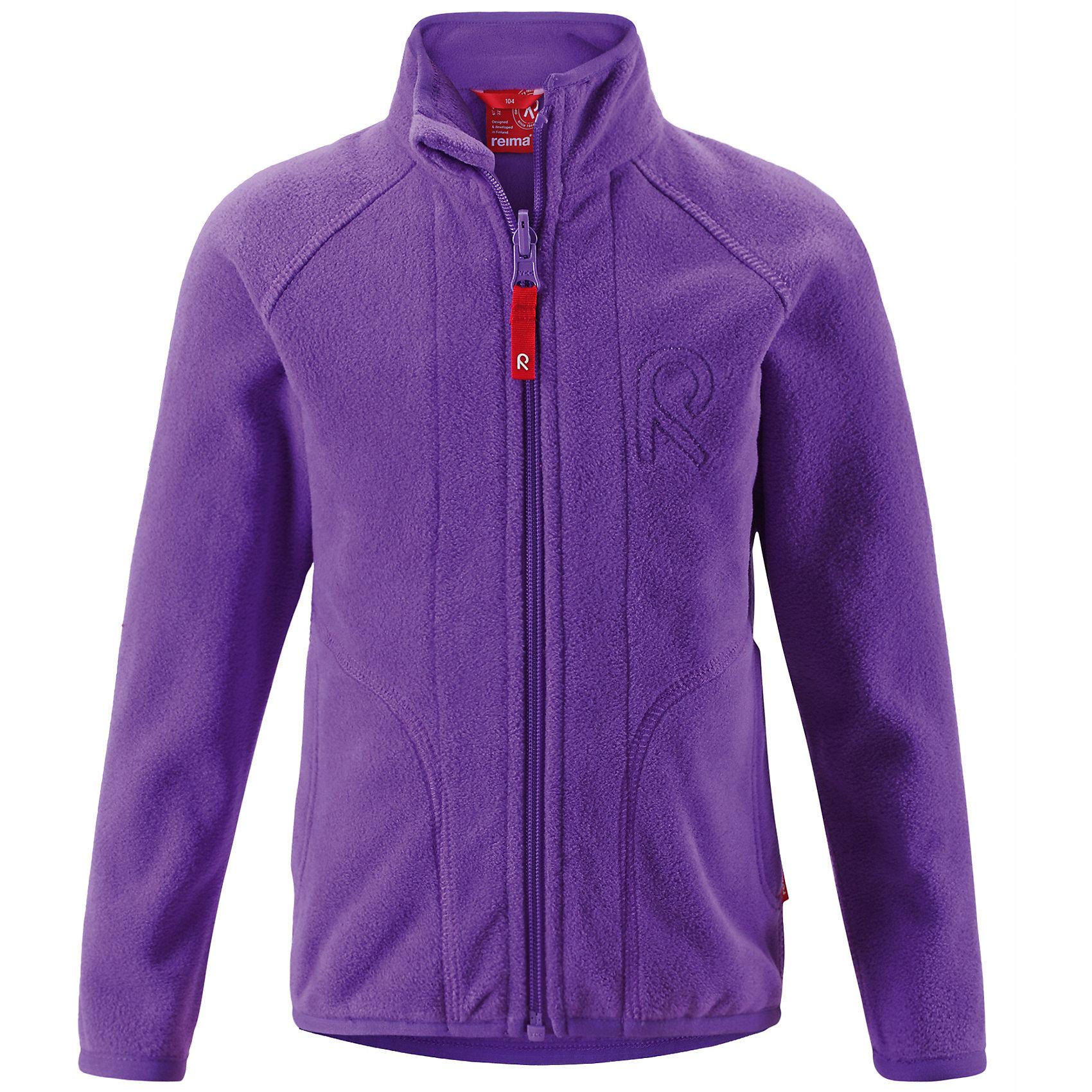 Флисовая толстовка для девочки ReimaДетская толстовка из флиса идеально подойдет в качестве промежуточного слоя в холодную погоду, так как обеспечивает тепло, очень мягкое и приятен коже. Эта толстовка сделана из легкого дышащего флиса, быстро сохнет и обеспечивает комфорт во время активных прогулок. Молния на всю длину облегчает надевание, не царапает шею и подбородок. Эта функциональная толстовка из флиса легко подстегивается к любой верхней одежде Reima® с помощью специальных кнопок Play Layers®. Новинка в Play Layers® этой осени: двусторонняя молния позволяет легко застегивать и расстегивать одежду. Выбери свой любимый цвет среди множества модных цветов этого сезона!<br><br>Толстовка из флиса для детей постарше.<br>Теплый высококачественный флис.<br>Выводит влагу во внешние слои, быстро сохнет..<br>Боковые карманы<br>Молния во всю длину с защитой для подбородка.<br>Фасонная удлиненная спинка для лучшей защиты.<br>Изделие оснащено специальными кнопками Reima.<br>PlayLayers® для пристегивания промежуточного слоя к верхней одежде.<br>Состав:<br>100% ПЭ<br><br><br>Флисовую толстовку Reima (Рейма) можно купить в нашем магазине.<br><br>Ширина мм: 190<br>Глубина мм: 74<br>Высота мм: 229<br>Вес г: 236<br>Цвет: фиолетовый<br>Возраст от месяцев: 108<br>Возраст до месяцев: 120<br>Пол: Женский<br>Возраст: Детский<br>Размер: 140,128,104,98,110,92,116,122,134<br>SKU: 4210059
