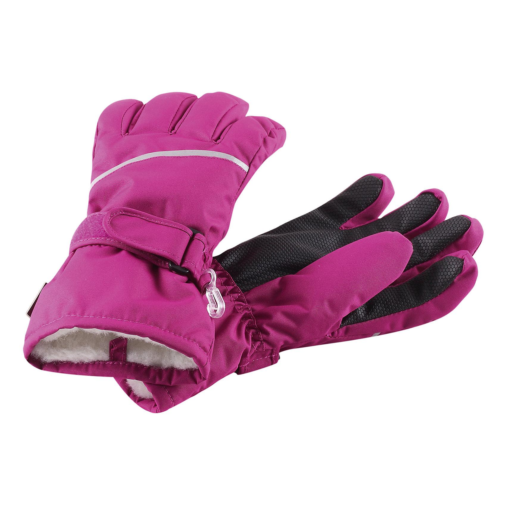 Перчатки для девочки ReimaПерчатки, варежки<br>Эти популярные, очень тёплые зимние варежки для малышей и детей постарше - надёжный выбор для прогулки в морозный денёк! Благодаря лёгкому утеплителю в сочетании с тёплой шерстяной вязаной подкладкой, малышу будет очень тепло. Нет необходимость спешить домой, поэтому дети могут слепить не меньше трёх снеговиков, и ручки не замёрзнут! Благодаря уплотнению в области ладони и большого пальца, ребёнку будет удобно брать даже скользкие предметы и снег. Варежки пошиты из ветронепроницаемого, пропускающего воздух материала, который отталкивает грязь и влагу. Тёплые варежки идеальны для морозной холодной погоды. Несмотря на то, что они сделаны из водоотталкивающего материала, варежки пропускают воду. Выбери свой любимый цвет из трендов этого сезона!<br><br>Зимние варежки для малышей и детей постарше<br>Мягкая вязаная подкладка из полиэстера <br>Уплотнение и принт в области ладони и большого пальца<br> Лёгкий утеплитель (80 г)<br> Светоотражающий кант <br>Состав:<br>100% ПЭ, ПУ-покрытие<br>Высокая степень утепления (до - 30)<br><br>Варежки Reima (Рейма) можно купить в нашем магазине.<br><br>Ширина мм: 162<br>Глубина мм: 171<br>Высота мм: 55<br>Вес г: 119<br>Цвет: розовый<br>Возраст от месяцев: 120<br>Возраст до месяцев: 144<br>Пол: Женский<br>Возраст: Детский<br>Размер: 7,3,6,4,8,5<br>SKU: 4210135