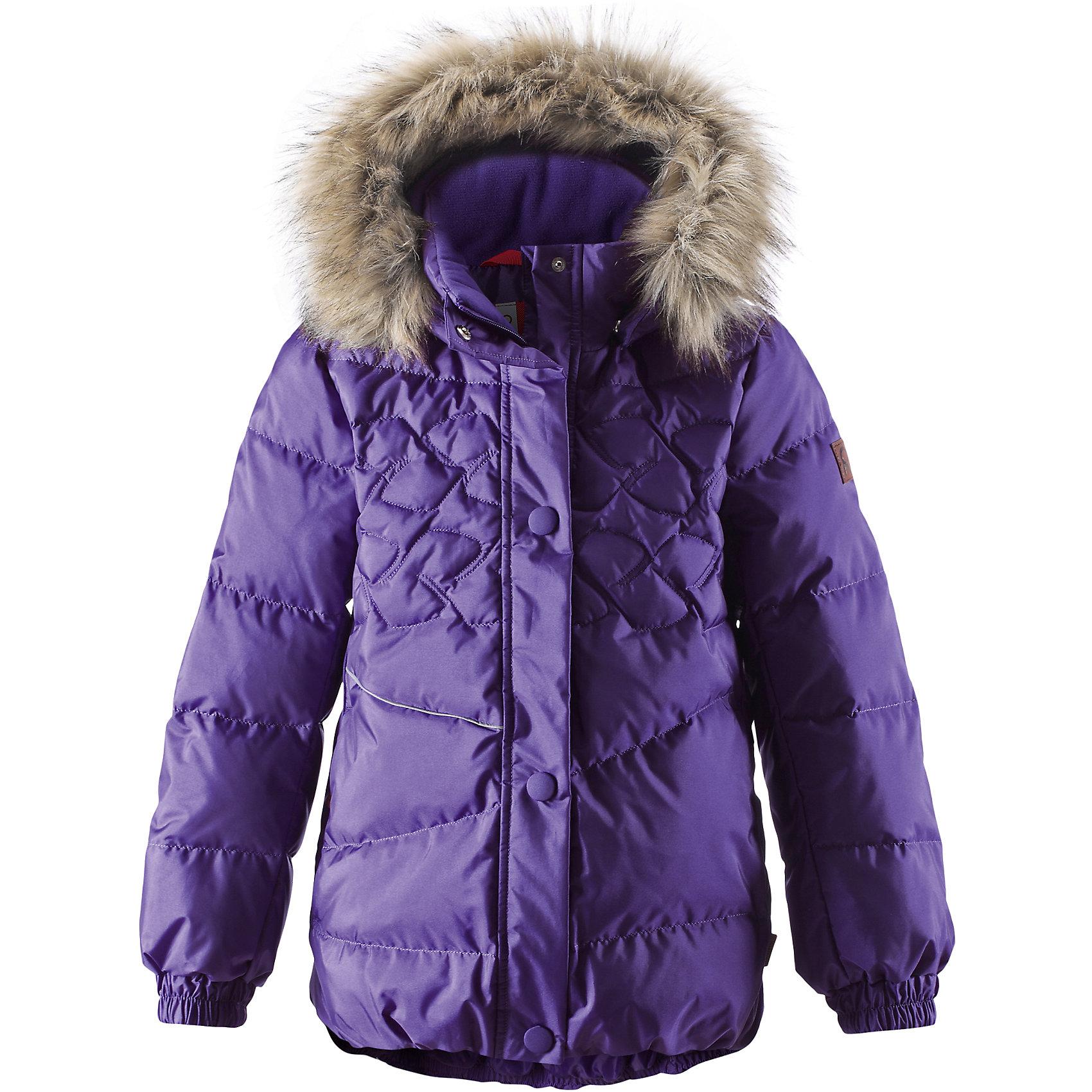 Куртка для девочки ReimaЭтот красивый пуховик согреет детей на прогулке в холодные зимние дни! Модель для девочек пошита из ветронепроницаемого дышащего материала, который отталкивает воду и грязь, чтобы обеспечить тепло и комфорт в морозные зимние дни. Куртка с подкладкой из гладкого полиэстера легко надевается и удобно носится с тёплым промежуточным слоем. Спереди и сзади эта тёплая куртка украшена элегантной вышивкой. Сзади на талии имеется фиксированная утяжка. У этой удлинённой модели слегка пышный подол. Во время прогулки маленькие сокровища можно спрятать в два боковых кармана на молнии. Съёмный капюшон не только защищает от холодного ветра, но и безопасен. Если закреплённый кнопками капюшон зацепится за что-нибудь, он легко отстегнётся. Завершающий штрих - съёмная отделка из искусственного меха на капюшоне.<br><br> Водоотталкивающий пуховик для девочек-подростков<br> Безопасный съёмный капюшон с отстёгивающейся отделкой из искусственного меха<br> Эластичные манжеты<br> Боковые карманы на молниях<br><br>Состав:<br>55% ПА 45% ПЭ, ПУ-покрытие<br>Высокая степень утепления (до - 30)<br>Утеплитель: пух<br><br>Куртку для девочки Reima (Рейма) можно купить в нашем магазине.<br><br>Ширина мм: 356<br>Глубина мм: 10<br>Высота мм: 245<br>Вес г: 519<br>Цвет: фиолетовый<br>Возраст от месяцев: 36<br>Возраст до месяцев: 48<br>Пол: Женский<br>Возраст: Детский<br>Размер: 104,152,146,140,134,128,122,158,116,110,164<br>SKU: 4210507