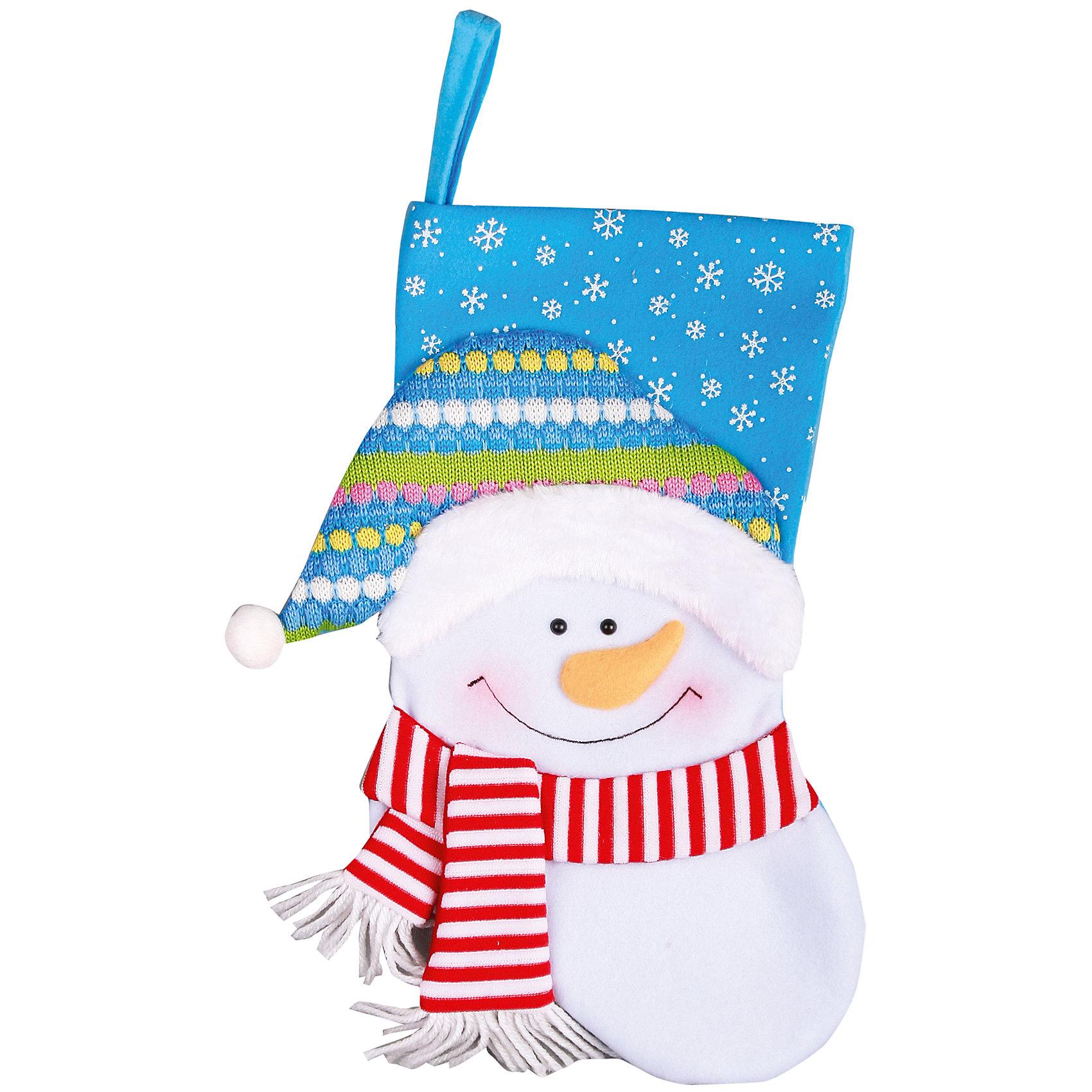 Носок для подарков Снеговик, 40 смОригинальное новогоднее украшение Носок со снеговиком, прекрасно подойдет для праздничного декора помещений. С помощью специальной петельки его можно повесить в любом понравившемся вам месте, например на камине, крючке или ручке шкафа. Елочная игрушка - символ Нового года. Она несет в себе волшебство и красоту праздника. Создайте в своем доме атмосферу веселья и радости, украшая новогоднюю елку нарядными игрушками, которые будут из года в год накапливать теплоту воспоминаний. Оригинальные новогодние аксессуары принесут в ваш дом ни с чем несравнимое ощущение волшебства!<br><br>Дополнительная информация:<br><br>- Материал: ПЭ.<br>- Размер: высота 40 см, ширина 27 см, глубина 2 см.<br>- Цвет: голубой.<br><br>Подвесное украшение Носок со Снеговиком, голубой, можно купить в нашем магазине.<br><br>Ширина мм: 3<br>Глубина мм: 40<br>Высота мм: 64<br>Вес г: 125<br>Возраст от месяцев: 36<br>Возраст до месяцев: 180<br>Пол: Унисекс<br>Возраст: Детский<br>SKU: 4222843
