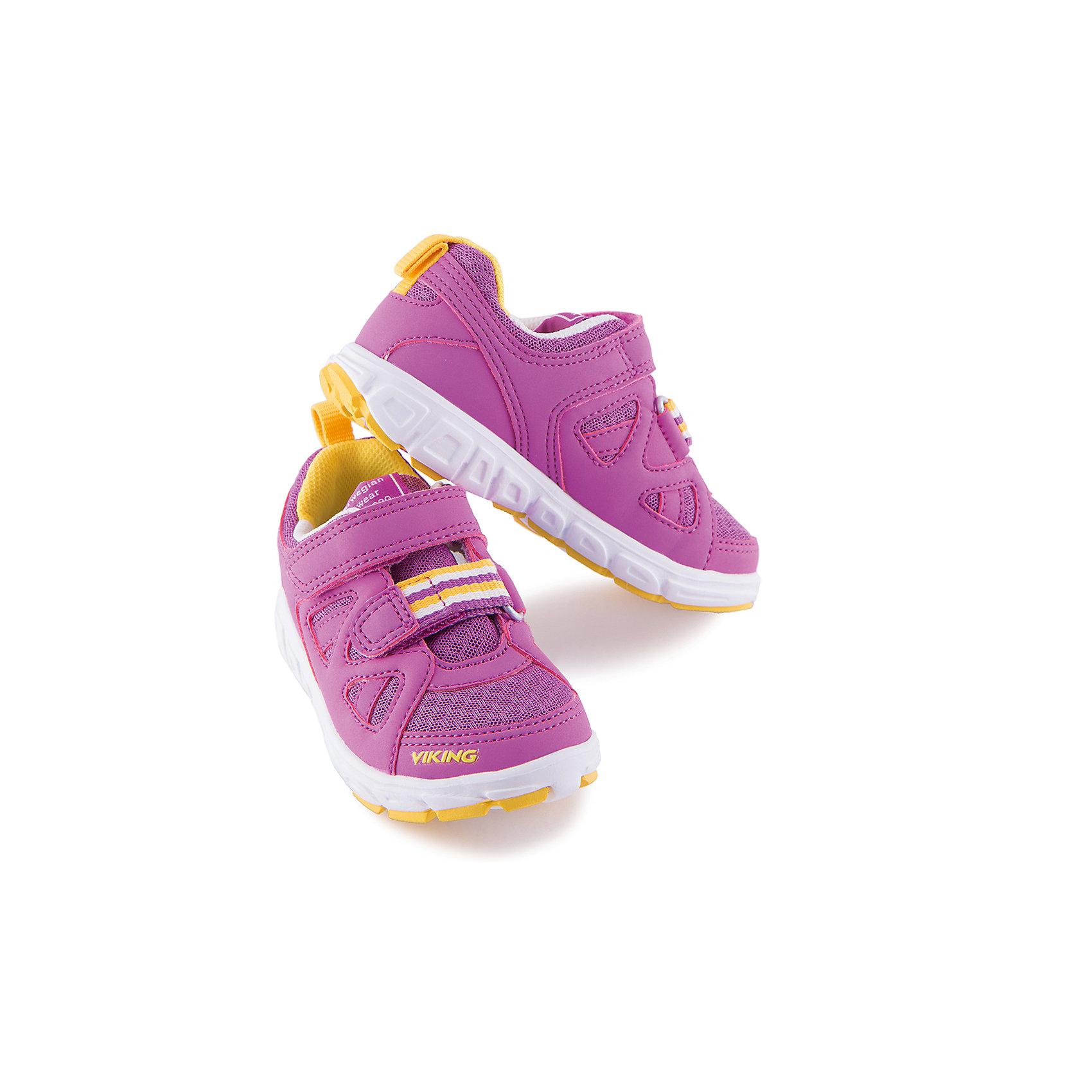 Кроссовки для девочки VIKINGКроссовки для девочки от марки VIKING - прекрасный вариант для повседневной носки или же активного отдыха. Модель на липучке имеет рифленую подошву, нос и задник из влагоустойчивого материала и тканевые вставки для вентиляции ноги. Кроссовки яркой расцветки изготовлены из высококачественных материалов, декорированы логотипом бренда и контрастной текстильной вставной спереди. <br><br>Дополнительная информация:<br><br>- Тип застежки: липучка. <br>- Декоративные элементы: логотип бренда, текстильная вставка.<br>- Стирка: щадящий режим, 30 ?. <br>- Рифленая подошва.<br>Параметры для размера 25<br>- Толщина подошвы: 1,4 см.<br>- Высота каблука: 2 см.<br>Состав:<br>текстиль, резина.<br><br>Кроссовки для девочки VIKING (Викинг) можно купить в нашем магазине.<br><br>Ширина мм: 262<br>Глубина мм: 176<br>Высота мм: 97<br>Вес г: 427<br>Цвет: фиолетовый<br>Возраст от месяцев: 120<br>Возраст до месяцев: 132<br>Пол: Женский<br>Возраст: Детский<br>Размер: 34,30,28,32,29,35,33,27,26,31,25<br>SKU: 4233222