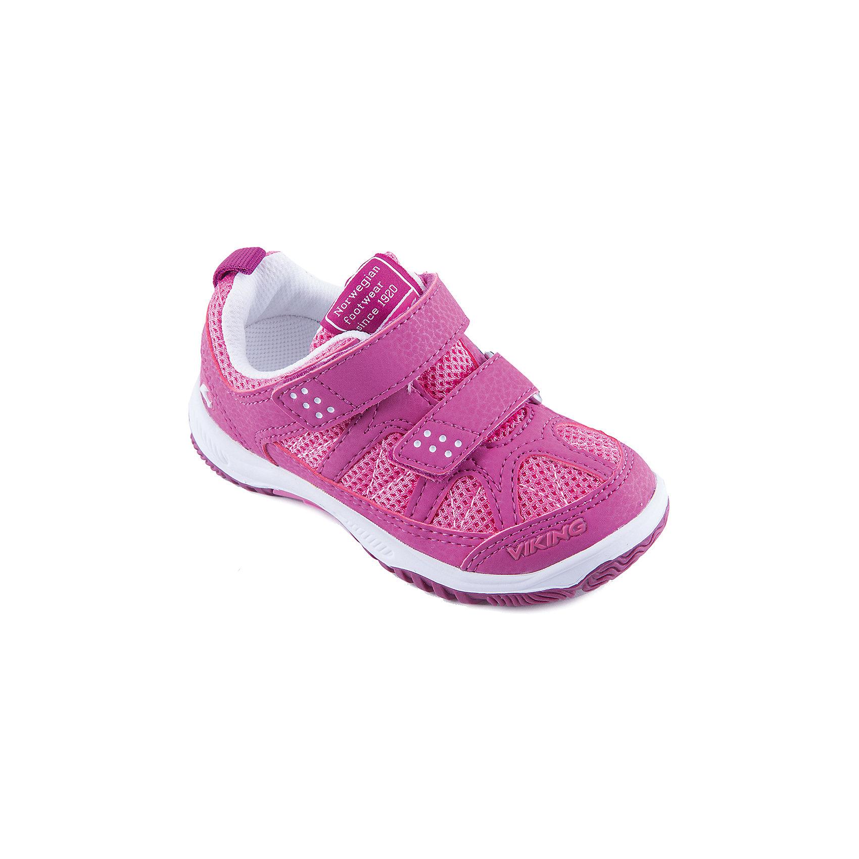 Кроссовки для девочки VIKINGКроссовки для девочки от марки VIKING - прекрасный вариант для повседневной носки или же активного отдыха. Модель на липучке имеет рифленую подошву, нос и задник из влагоустойчивого материала и тканевые вставки для вентиляции ноги. Кроссовки яркой расцветки изготовлены из высококачественных материалов, очень удобные и практичные. <br><br>Дополнительная информация:<br><br>- Тип застежки: липучка. <br>- Декоративные элементы: логотип бренда.<br>- Стирка: щадящий режим, 30 ?. <br>Параметры для размера 24.<br>- Толщина подошвы: 1,3 см.<br>- Высота каблука: 2 см.<br>Состав:<br>текстиль, искусственная кожа, этиленвинилацетат, натуральная резина.<br><br>Полуботинки для девочки VIKING (Викинг) можно купить в нашем магазине.<br><br>Ширина мм: 262<br>Глубина мм: 176<br>Высота мм: 97<br>Вес г: 427<br>Цвет: фиолетовый<br>Возраст от месяцев: 24<br>Возраст до месяцев: 24<br>Пол: Женский<br>Возраст: Детский<br>Размер: 25,32,29,33,34,35,26,27,24,28,30,31<br>SKU: 4233377