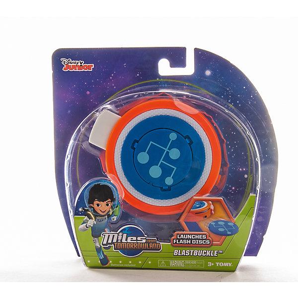 Гравитационный диск, MILESИгрушки<br>Гравитационный диск - необычный девайс Майлза из мультфильма Майлз с другой планеты. Это компактный прибор, в котором хранится космоскейт. Кроме того, это мощное оружие, стреляющее дисками. В комплект входят 2 диска с загадочными символами. Один закрепляется сверху, другой задвигается в специальную щель сбоку прибора. Чтобы увидеть голографическое изображение космоскейта, нажмите кнопку сзади. При нажатии другой кнопки, диск вылетит из отверстия. Гравитационный диск можно брать с собой и использовать в играх. <br><br>Дополнительная информация:<br><br>- Материал: пластик. <br>- Два диска в комплекте.<br>- Размер: d - 10 см.<br>- Есть крепление на пояс.<br>- Выстрел достаточно мощный: не направлять в лицо.<br><br>Гравитационный диск, MILES можно купить в нашем магазине.<br><br>Ширина мм: 205<br>Глубина мм: 190<br>Высота мм: 60<br>Вес г: 278<br>Возраст от месяцев: 36<br>Возраст до месяцев: 144<br>Пол: Мужской<br>Возраст: Детский<br>SKU: 4234778