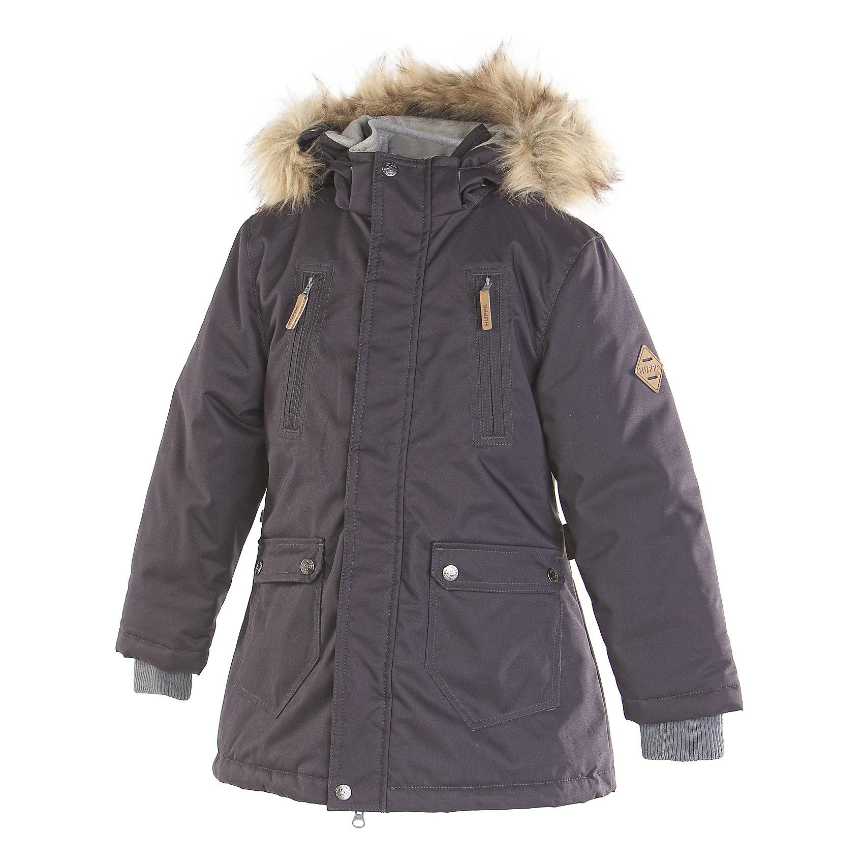 Куртка для мальчика HuppaЗимние куртки<br>Модная парка с легким ватином для юношей. У парки приятная подкладка частично из тафты и частично из флиса и отлично подходящая для нашего климата дышащая и водоотталкивающая ткань. Удобство ношения обеспечивают рукава с резинкой, регулируемый стопперами резиновый шнур и капюшон со съемным мехом. Самые ценные вещи молодой человек может спрятать в закрывающиеся на молнию карманы.<br>Huppa (Хуппа)Therm 200 грамм<br>Высокотехнологичный лёгкий синтетический утеплитель нового поколения, сохраняет объём и высокую теплоизоляцию изделия, а также легко стирается и быстро сохнет.<br>Влагоустойчивая и дышащая ткань 10 000/ 10 000<br>Мембрана препятствует прохождению воды и ветра сквозь ткань внутрь изделия, позволяя испаряться выделяемой телом, образовывающейся внутри влаге.<br>Проклеенные швы<br>Для максимальной влагонепроницаемости изделия, важнейшие швы проклеены водостойкой лентой.<br>Прочная ткань<br>Сплетения волокон в тканях выполнены по специальной технологии, которая придаёт ткани прочность и предохранят от истирания.<br>Светоотражательные детали<br>При плохих погодных условиях или в темноте, когда свет падает на одежду, он отражается, делая ребёнка более заметным, уменьшая возможность несчастных случаев.<br><br>Дополнительная информация:<br><br>Температурный режим: от 0° до -15°С<br>Ткань: 100% полиэстер<br>Подкладка: тафта- 100% полиэстер, флис - 100% полиэстер<br>Утеплитель: 100% полиэстер - 200г.<br>Плечевые швы проклеены<br>Капюшон с отстёгивающимся мехом<br><br>Куртку для мальчика Huppa (Хуппа) можно купить в нашем магазине.<br><br>Ширина мм: 356<br>Глубина мм: 10<br>Высота мм: 245<br>Вес г: 519<br>Цвет: серый<br>Возраст от месяцев: 48<br>Возраст до месяцев: 60<br>Пол: Мужской<br>Возраст: Детский<br>Размер: 110,134,146,116,104,158,152,170,164,140,122,128<br>SKU: 4242245