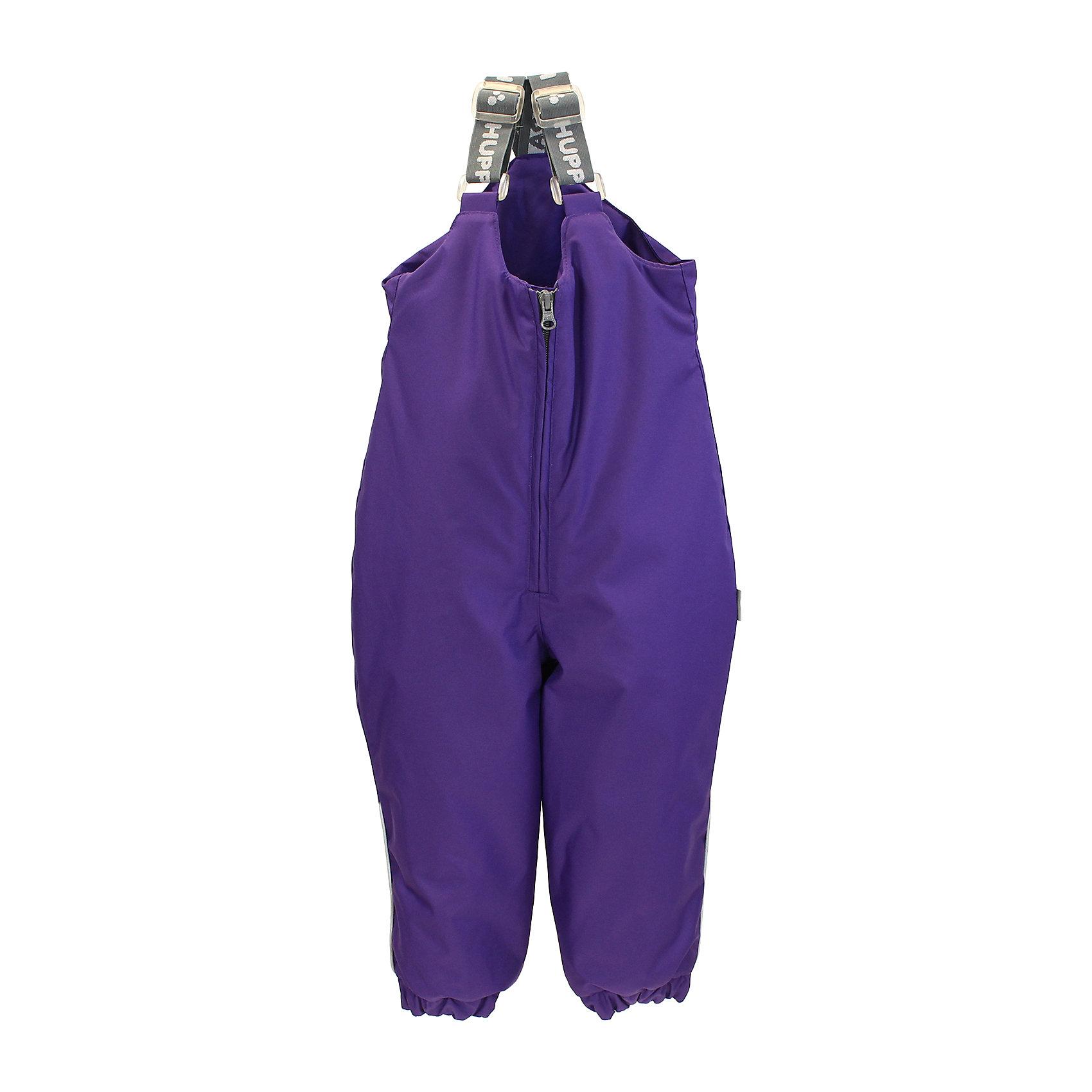 Полукомбинезон для девочки HuppaКлассические зимние брюки для малышей с высоким поясом. У брюк приятная хлопковая фланелевая подкладка и отлично подходящая для нашего климата дышащая и водоотталкивающая ткань. Для удобства одевания маленького ребенка на брюках имеются регулируемые резиновые подтяжки, длинный замок и нижний край штанин на резинке. На брюках имеются надевающиеся под подошву резинки, которые предотвращают попадание снега в сапог, а светоотражающие детали в боковых швах позволят безопасно играть в снегу и более темное время.<br>Huppa (Хуппа)Therm 160 грамм<br> Высокотехнологичный лёгкий синтетический утеплитель нового поколения, сохраняет объём и высокую теплоизоляцию изделия, а также легко стирается и быстро сохнет.<br>Влагоустойчивая и дышащая ткань 10 000/ 10 000<br>Мембрана препятствует прохождению воды и ветра сквозь ткань внутрь изделия, позволяя испаряться выделяемой телом, образовывающейся внутри влаге.<br>Проклеенные швы<br>Для максимальной влагонепроницаемости изделия, важнейшие швы проклеены водостойкой лентой.<br>Прочная ткань<br>Сплетения волокон в тканях выполнены по специальной технологии, которая придаёт ткани прочность и предохранят от истирания.<br>Светоотражательные детали<br>При плохих погодных условиях или в темноте, когда свет падает на одежду, он отражается, делая ребёнка более заметным, уменьшая возможность несчастных случаев.<br><br>Дополнительная информация:<br><br>Температурный режим: от 0° до -25°С<br>Ткань: 100% полиэстер<br>Подкладка: фланель - 100% хлопок<br>Утеплитель: 100% полиэстер 160г.<br>Шаговый шов проклеены<br><br>Полукомбинезон для девочки Huppa (Хуппа) можно купить в нашем магазине.<br><br>Ширина мм: 215<br>Глубина мм: 88<br>Высота мм: 191<br>Вес г: 336<br>Цвет: фиолетовый<br>Возраст от месяцев: 12<br>Возраст до месяцев: 18<br>Пол: Женский<br>Возраст: Детский<br>Размер: 86,98,104,80,92<br>SKU: 4242334