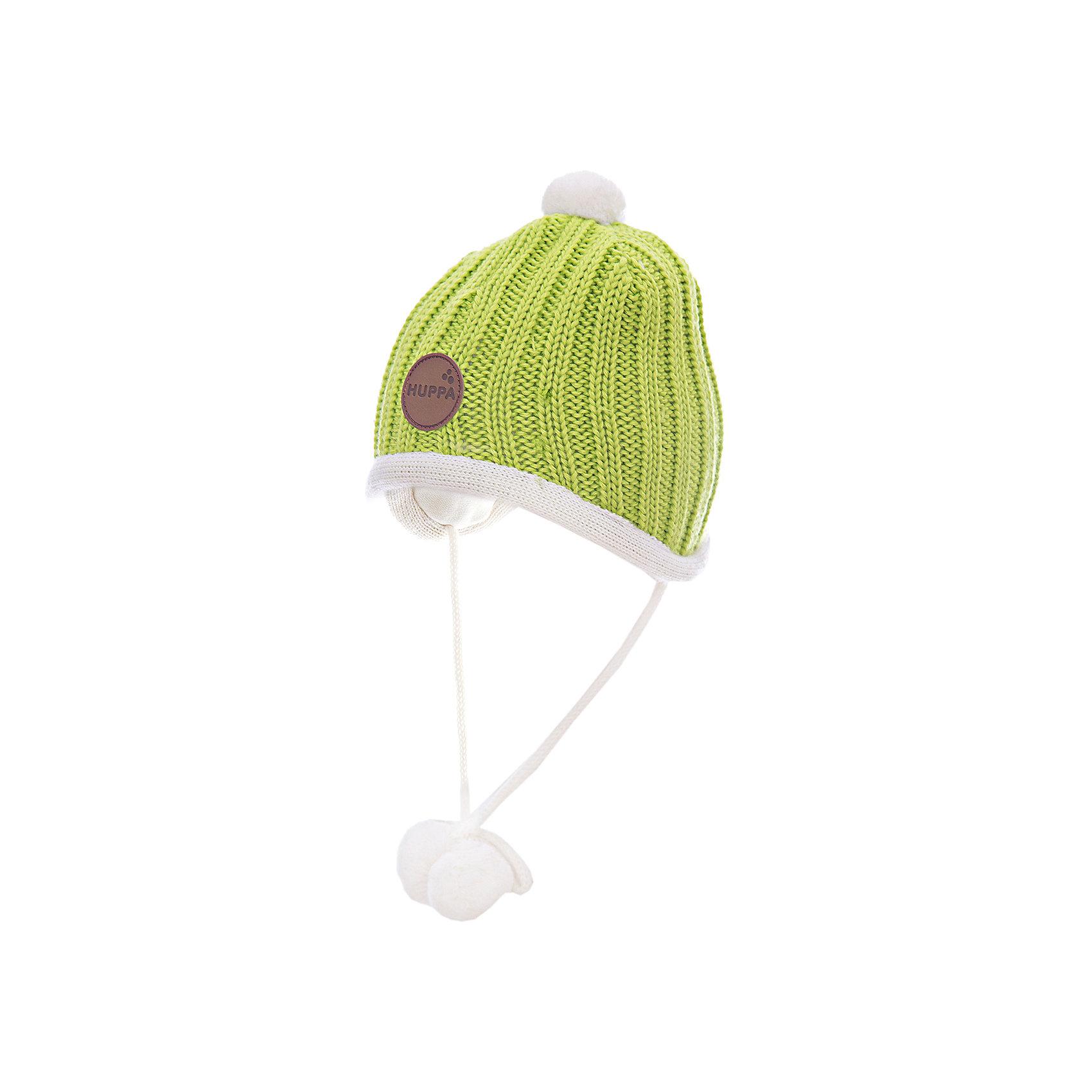 Шапка HuppaШапочки<br>Вязанная «резинкой» зимняя шапка для малышей. Для удобства ношения у шапки приятная подкладка из хлопкового трикотажа, наружная часть из смеси 50% мериносовой шерсти и 50% акриловой пряжи. Для защиты от холодных ветров у шапки имеются ленты с помпонами, при помощи которых шапку можно завязать и защитить уши от холода. <br><br>Шапку Huppa (Хуппа) можно купить в нашем магазине.<br><br>Ширина мм: 89<br>Глубина мм: 117<br>Высота мм: 44<br>Вес г: 155<br>Цвет: зеленый<br>Возраст от месяцев: 2<br>Возраст до месяцев: 5<br>Пол: Унисекс<br>Возраст: Детский<br>Размер: 39-43,51-53,43-45,47-49<br>SKU: 4242882