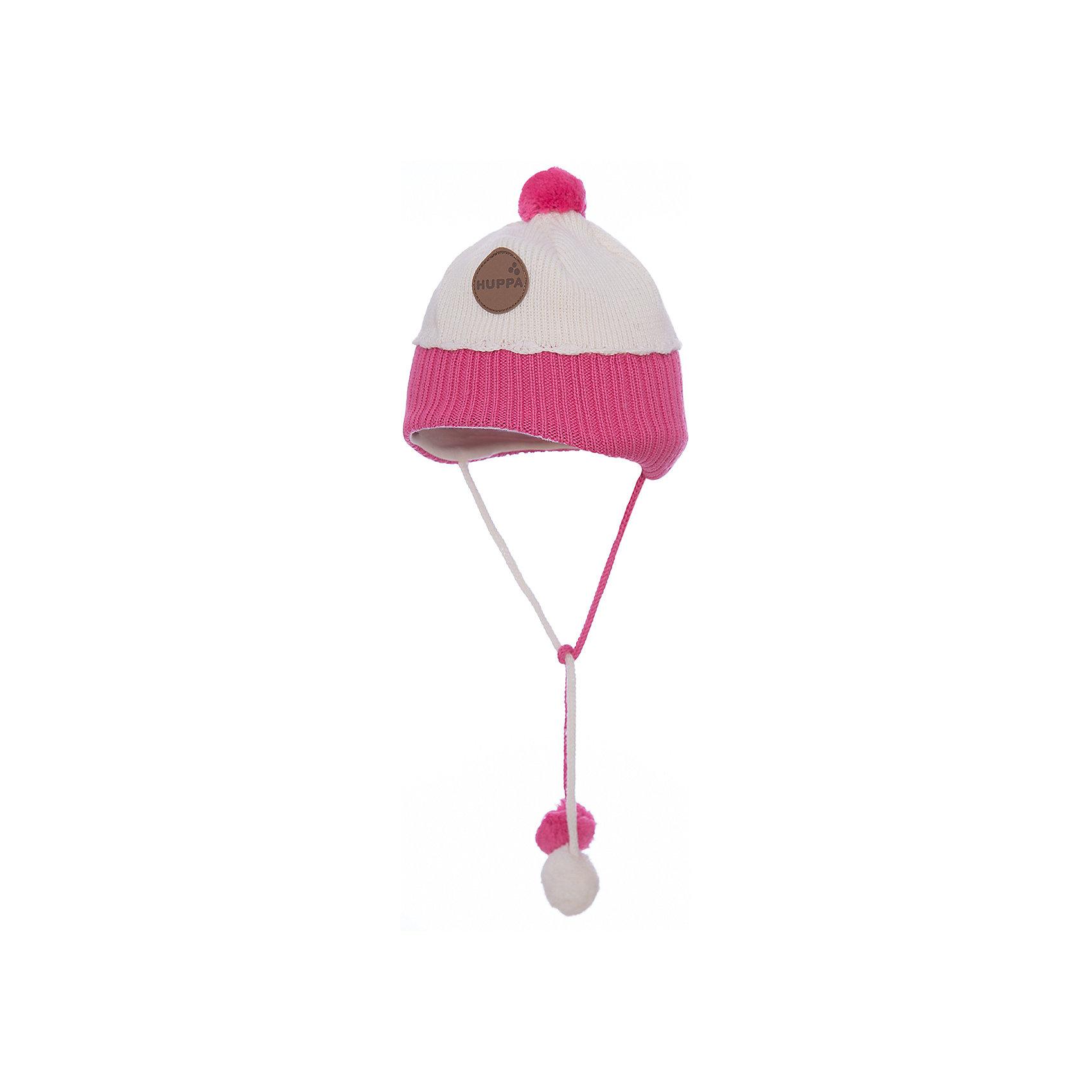 Шапка для девочки HuppaЗимняя вязаная двухцветная шапка для малышей. Для удобства ношения у шапки приятная подкладка из хлопкового трикотажа, наружная часть из смеси 50% мериносовой шерсти и 50% акриловой пряжи. Более интересной шапку делают разноцветные ленты с помпонами, при помощи которых шапку можно завязать и защитить уши от холода, а также кружева в разрезе. <br><br><br><br>Шапку для девочки Huppa (Хуппа) можно купить в нашем магазине.<br><br>Ширина мм: 89<br>Глубина мм: 117<br>Высота мм: 44<br>Вес г: 155<br>Цвет: белый<br>Возраст от месяцев: 12<br>Возраст до месяцев: 24<br>Пол: Женский<br>Возраст: Детский<br>Размер: 47-49,43-45,51-53<br>SKU: 4242924