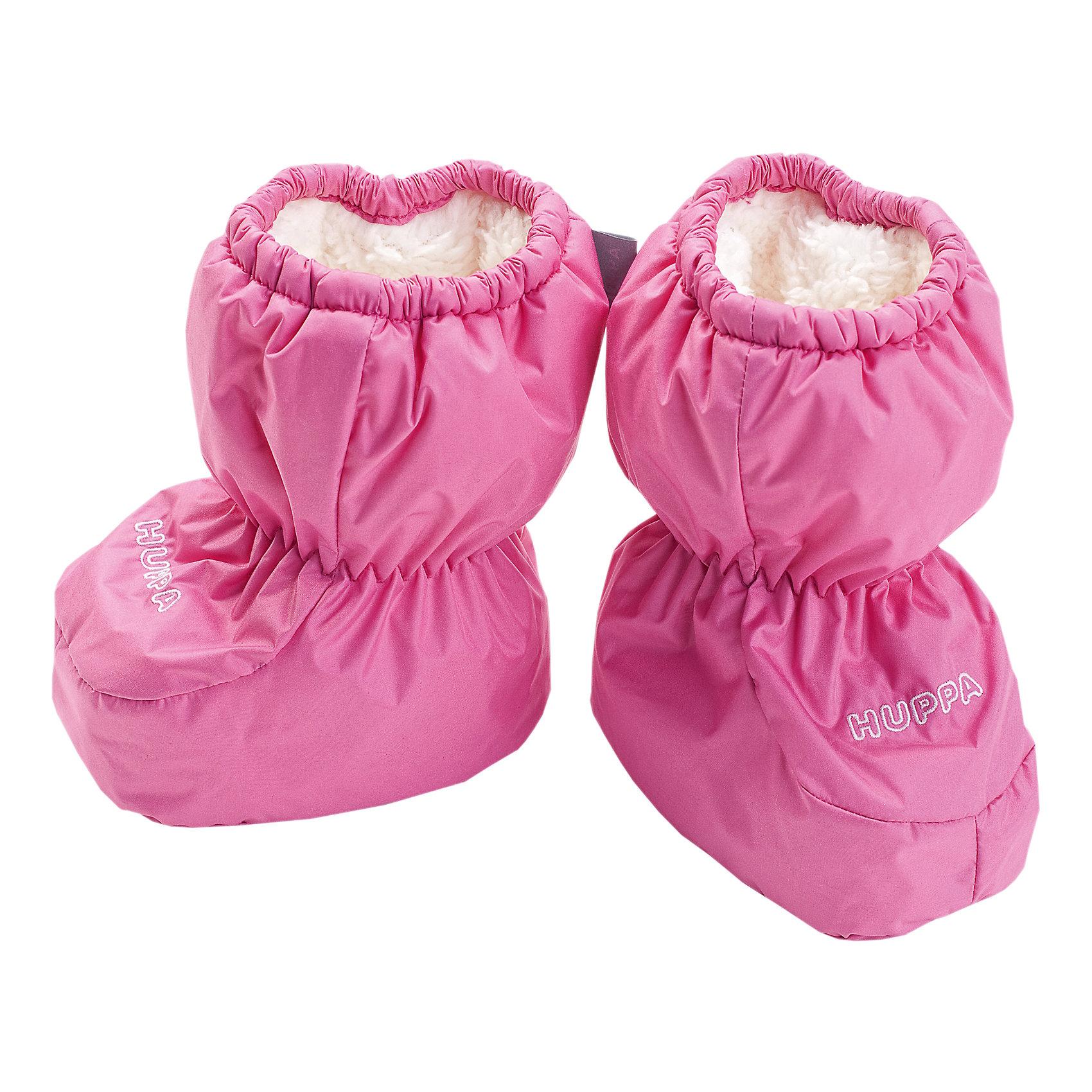 """Пинетки для девочки HuppaПинетки для младенцев ярких цветов с легким ватином. У пинеток мягкая подкладка из """"Coral-fleece"""" и хорошо дышащая и водоотталкивающая ткань. Для удобства ношения пинеток в центральную часть и по верхнему краю вшиты резинки, чтобы они хорошо держались на ножках, а в качестве украшения добавлена красивая вышивка Huppa (Хуппа).<br><br><br>Пинетки для девочки Huppa (Хуппа) можно купить в нашем магазине.<br><br>Ширина мм: 162<br>Глубина мм: 171<br>Высота мм: 55<br>Вес г: 119<br>Цвет: розовый<br>Возраст от месяцев: 0<br>Возраст до месяцев: 6<br>Пол: Женский<br>Возраст: Детский<br>Размер: one size<br>SKU: 4243088"""