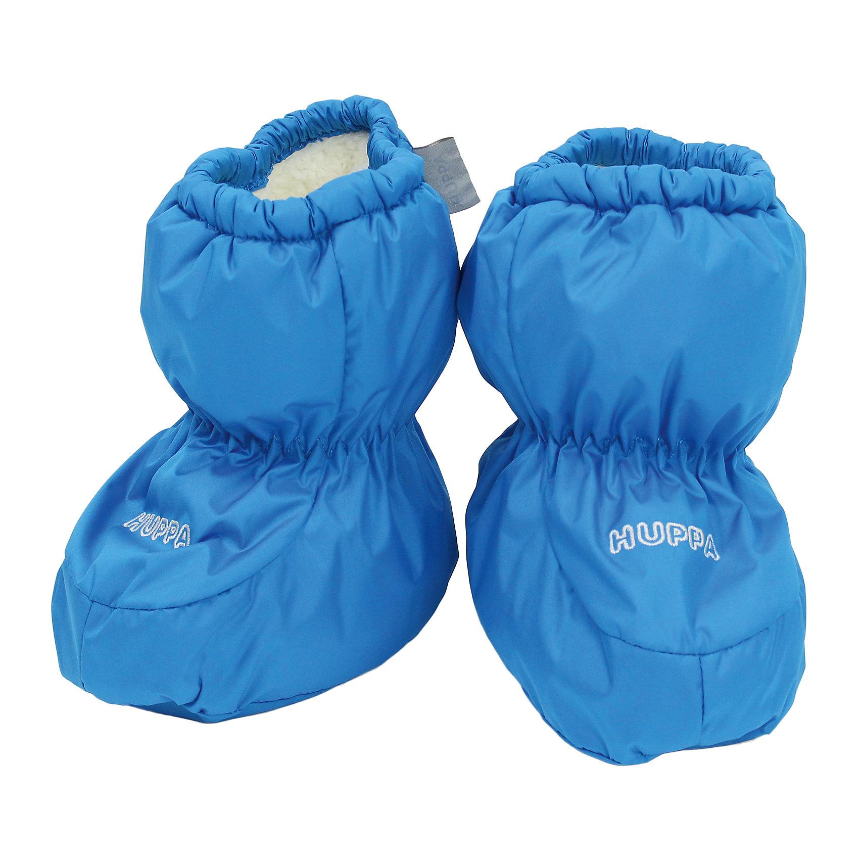 """Пинетки для мальчика HuppaПинетки для младенцев ярких цветов с легким ватином. У пинеток мягкая подкладка из """"Coral-fleece"""" и хорошо дышащая и водоотталкивающая ткань. Для удобства ношения пинеток в центральную часть и по верхнему краю вшиты резинки, чтобы они хорошо держались на ножках, а в качестве украшения добавлена красивая вышивка Huppa (Хуппа).<br><br><br>Пинетки для мальчика Huppa (Хуппа) можно купить в нашем магазине.<br><br>Ширина мм: 162<br>Глубина мм: 171<br>Высота мм: 55<br>Вес г: 119<br>Цвет: голубой<br>Возраст от месяцев: 0<br>Возраст до месяцев: 6<br>Пол: Мужской<br>Возраст: Детский<br>Размер: one size<br>SKU: 4243092"""