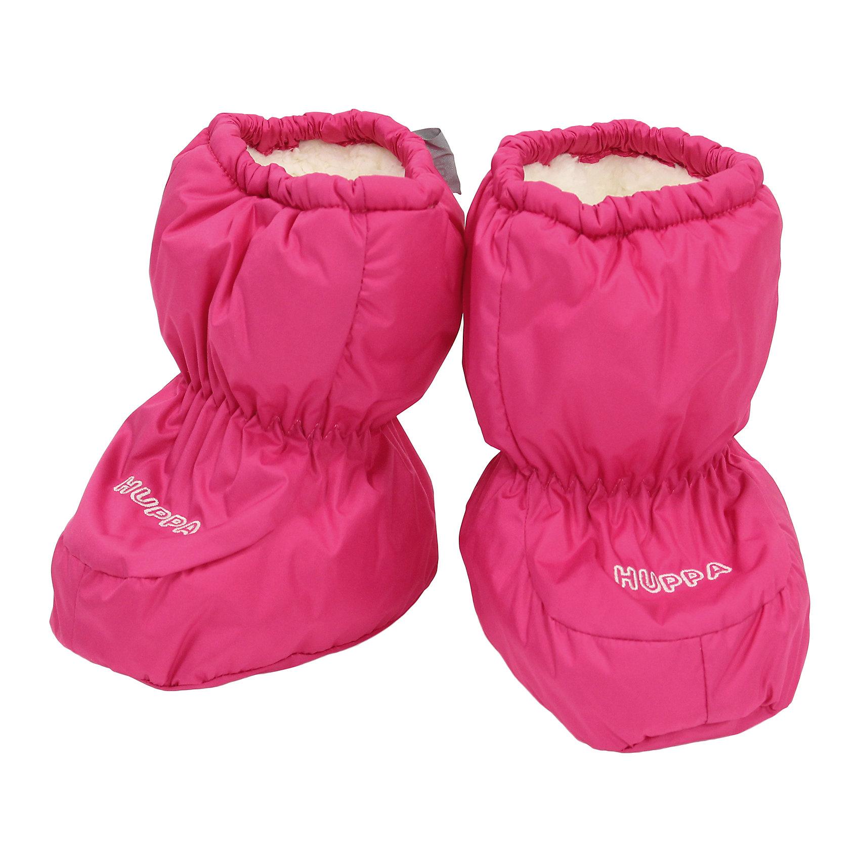 """Пинетки для девочки HuppaПинетки для младенцев ярких цветов с легким ватином. У пинеток мягкая подкладка из """"Coral-fleece"""" и хорошо дышащая и водоотталкивающая ткань. Для удобства ношения пинеток в центральную часть и по верхнему краю вшиты резинки, чтобы они хорошо держались на ножках, а в качестве украшения добавлена красивая вышивка Huppa (Хуппа).<br><br><br>Пинетки для девочки Huppa (Хуппа) можно купить в нашем магазине.<br><br>Ширина мм: 162<br>Глубина мм: 171<br>Высота мм: 55<br>Вес г: 119<br>Цвет: розовый<br>Возраст от месяцев: 0<br>Возраст до месяцев: 6<br>Пол: Женский<br>Возраст: Детский<br>Размер: one size<br>SKU: 4243094"""
