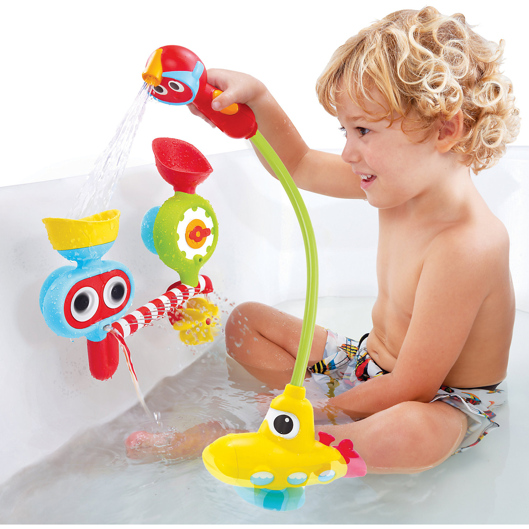 Подводная лодка Поливочная станция, YookidooИгрушки для ванной<br>Подводная лодка Поливочная станция, Yookidoo, позабавит и развлечет Вашего малыша во время купания. Красочная подводная лодка оснащена насосом, в нее можно набирать воду и через шланг заливать в любую из двух форм-воронок, которые закрепляются присосками на стенке ванны. Мини-душ на конце шланга выполнен в виде забавной фигурки и имеет форму, удобную для детских ручек. Выпустить воду из душа можно одним движением, нужно лишь сдавить кнопки на ручке. Наливая воду в воронки малыш увидит забавные эффекты: в воронке в форме часов вода раскручивает пропеллер и стрелку на корпусе, через другую вода попадает в полосатую трубу и вытекает через множество мелких отверстий. При этом глаза на воронке вращаются. Игрушка способствует развитию логического мышления, зрительного и тактильного восприятия, координации движений и мелкой моторики. <br><br>Дополнительная информация:<br><br>- В комплекте: подводная лодка со шлангом и мини-душем, поливочная станция на присосках.<br>- Материал: пластик.<br>- Требуются батарейки: 4 х АА (в комплект не входят).<br>- Размер поливочной станции: 20,5 х 23 х 7 см.<br>- Размер лодки: 15 х 11 х 6,5 см.<br>- Размер упаковки: 28 х 9 х 39 см.<br>- Вес: 0,83 кг.<br><br>Подводную лодку Поливочная станция, Yookidoo, можно купить в нашем интернет-магазине.<br><br>Ширина мм: 28<br>Глубина мм: 39<br>Высота мм: 9<br>Вес г: 830<br>Возраст от месяцев: 24<br>Возраст до месяцев: 36<br>Пол: Унисекс<br>Возраст: Детский<br>SKU: 4244273