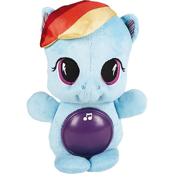 Мягкая пони, My little Pony, PLAYSKOOLМягкие игрушки из мультфильмов<br>Мягкая плюшевая пони играет успокаивающую музыку, а благодаря светящемуся животику, ребенку будет спокойнее засыпать.<br><br>Ширина мм: 81<br>Глубина мм: 152<br>Высота мм: 279<br>Вес г: 370<br>Возраст от месяцев: 0<br>Возраст до месяцев: 72<br>Пол: Женский<br>Возраст: Детский<br>SKU: 4252295