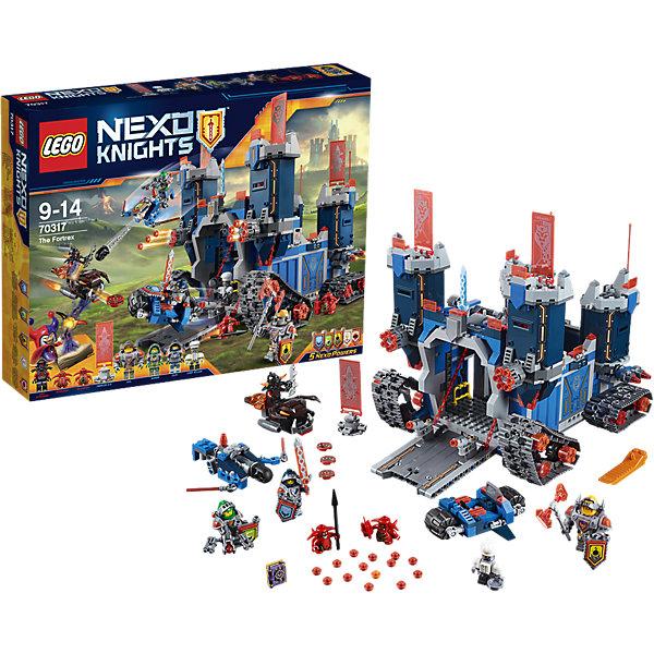 LEGO NEXO KNIGHTS 70317: Фортрекс - мобильная крепостьПластмассовые конструкторы<br>Когда Джестро угрожает Найтонии, рыцари LEGO NEXO KNIGHTS встают на защиту королевства! Отправь в бой Фортрекс, огромную мобильную крепость! Захвати в плен Пеплометателя и Шустриков с помощью рыцарского мотоцикла и Аэромолота V1. Штаб рыцарей, оснащённый по последнему слову техники, находится за раскладными стенами. Получи указания от Мерлока 2.0 и составь план следующей миссии за круглым столом— вместе вы сможете остановить Джестро и не дать ему завладеть Книгой Зла. <br><br>LEGO Nexo Knights ( ЛЕГО Нексо Найт) - это невероятный мир прогресса и новых технологий, в котором все же нашлось место для настоящих рыцарей, магии и волшебства. Удивительное сочетание футуризма и средневековой романтики увлекает и детей, и взрослых, а множество наборов серии и высокая детализация позволяют создать свой волшебный мир Nexo Knights!<br><br>Дополнительная информация:<br><br>- Конструкторы ЛЕГО развивают усидчивость, внимание, фантазию и мелкую моторику. <br>- 7 минифигурок с оружием и аксессуарами: Клэй, Аарон, Аксель, шеф-повар Эклер, Пеплометатель и 2 Шустрика.<br>- Комплектация: 7 фигурок, 5щитов для сканирования, дающих NEXO Силы: Сила земли, Сверхскорость, Клич Ястреба, Куриная Атака и Электрическая Атака, крепость, спидер, мотоцикл.<br>- Количество деталей: 1140.<br>- Серия LEGO Nexo Knights (ЛЕГО Нексо Найт).<br>- Материал: пластик.<br>- Размер крепости в распахнутом виде: 25х37х23 см.<br>- Размер мотоцикла Клэя: 3х9х7 см.<br>- Размер  Аэромолота V1 Аарона:5х10х13 см.<br>- Размер огненного спидера Пеплометателя: 4х10х3 см.<br>- Размер упаковки: 48х9,5х38 см.<br>- Вес: 1.7 кг.<br><br>LEGO NEXO KNIGHTS 70317: Фортрекс - мобильная крепость можно купить в нашем магазине.<br>Ширина мм: 484; Глубина мм: 373; Высота мм: 93; Вес г: 1783; Возраст от месяцев: 96; Возраст до месяцев: 168; Пол: Мужской; Возраст: Детский; SKU: 4259002;