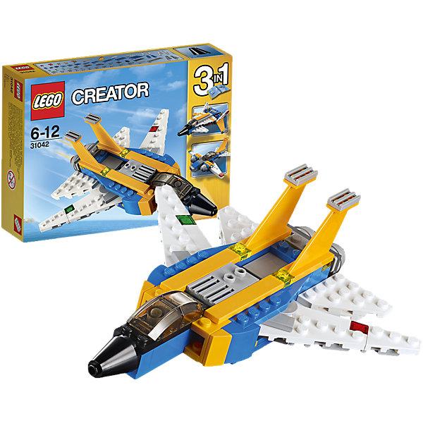 LEGO Creator 31042: Реактивный самолетПластмассовые конструкторы<br>Переходи в сверхзвуковой режим на этом удивительном реактивном самолете, раскрашенном в темно-желтый, синий и белый цвета, имеющем двойные вертикальные стабилизаторы, большие воздухозаборники, навигационные огни и двигатели. Активируй подвижные крылья, оставь взлетную полосу внизу и взмывай в небо! Когда будешь готов к новому заданию по сборке, переделай его в футуристический или классический самолет.<br><br>LEGO Creator (Лего Криэйтор) - серия конструкторов Лего, с помощью которых можно создать самые невероятные и детализированные постройки, оригинальных героев, необыкновенные транспортные средства. Из деталей одного набора можно построить несколько разных моделей. С конструкторами Лего Криэйтор ребёнок сможет каждый день придумывать новые игровые сюжеты, создавать фантастический мир, воплощая фантазии в реальность.  <br><br>Дополнительная информация:<br><br>- Конструкторы ЛЕГО развивают усидчивость, внимание, фантазию и мелкую моторику. <br>- Комплектация: самолет.<br>- Количество деталей: 100.<br>- Серия LEGO Creator (Лего Криэйтор).<br>- Материал: пластик.<br>- Размер упаковки: 19х4,6х14 см.<br>- Вес: 0.18  кг.<br><br>LEGO Creator 31042: Реактивный самолет можно купить в нашем магазине.<br><br>Ширина мм: 196<br>Глубина мм: 147<br>Высота мм: 48<br>Вес г: 179<br>Возраст от месяцев: 72<br>Возраст до месяцев: 144<br>Пол: Мужской<br>Возраст: Детский<br>SKU: 4259028